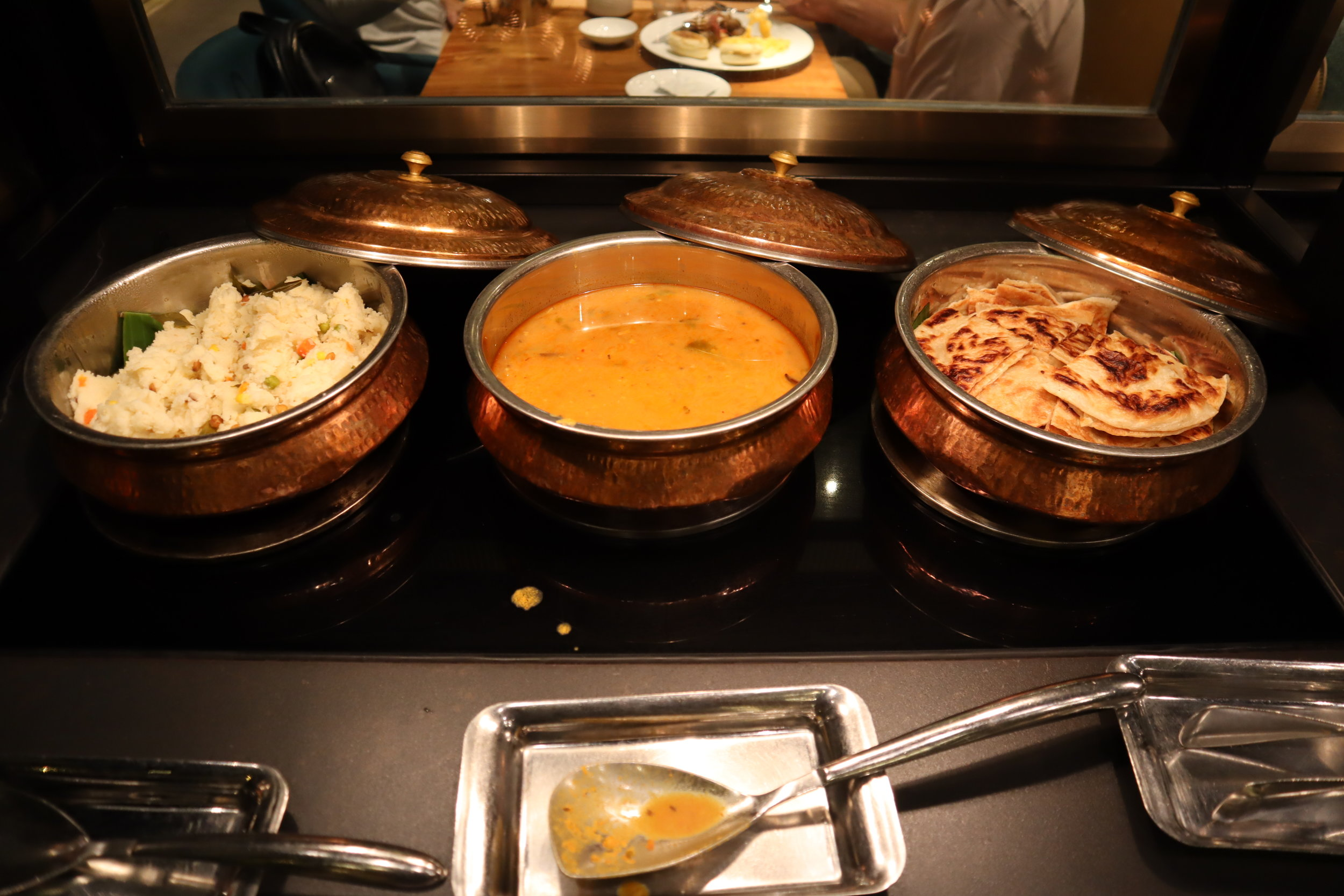 JW Marriott Singapore South Beach – Beach Road Kitchen curry station