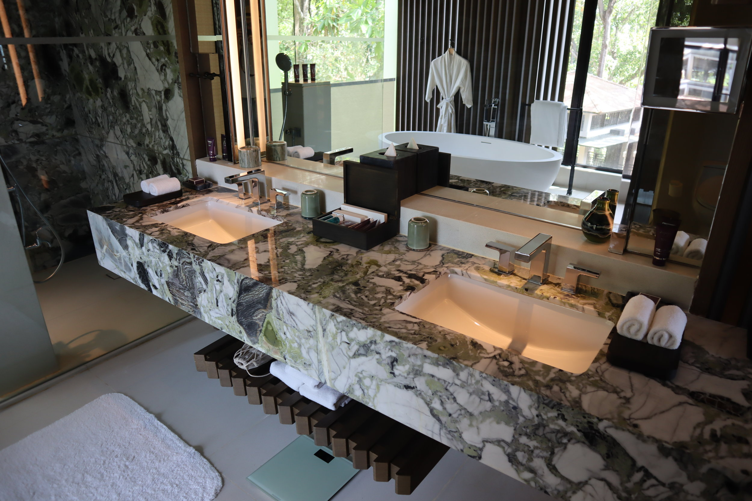 The Ritz-Carlton, Langkawi – Rainforest Junior Suite sinks and mirror