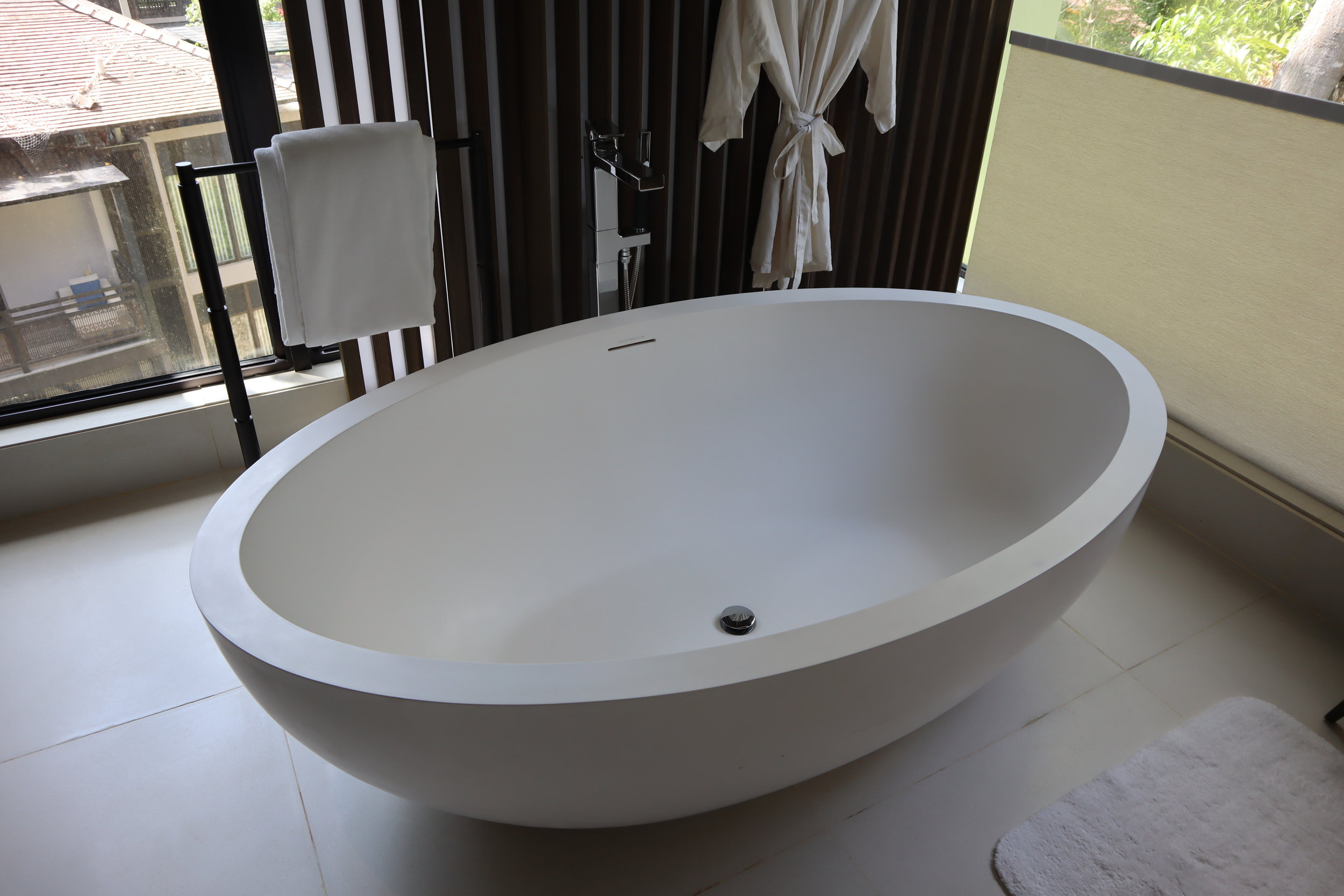 The Ritz-Carlton, Langkawi – Rainforest Junior Suite bathtub