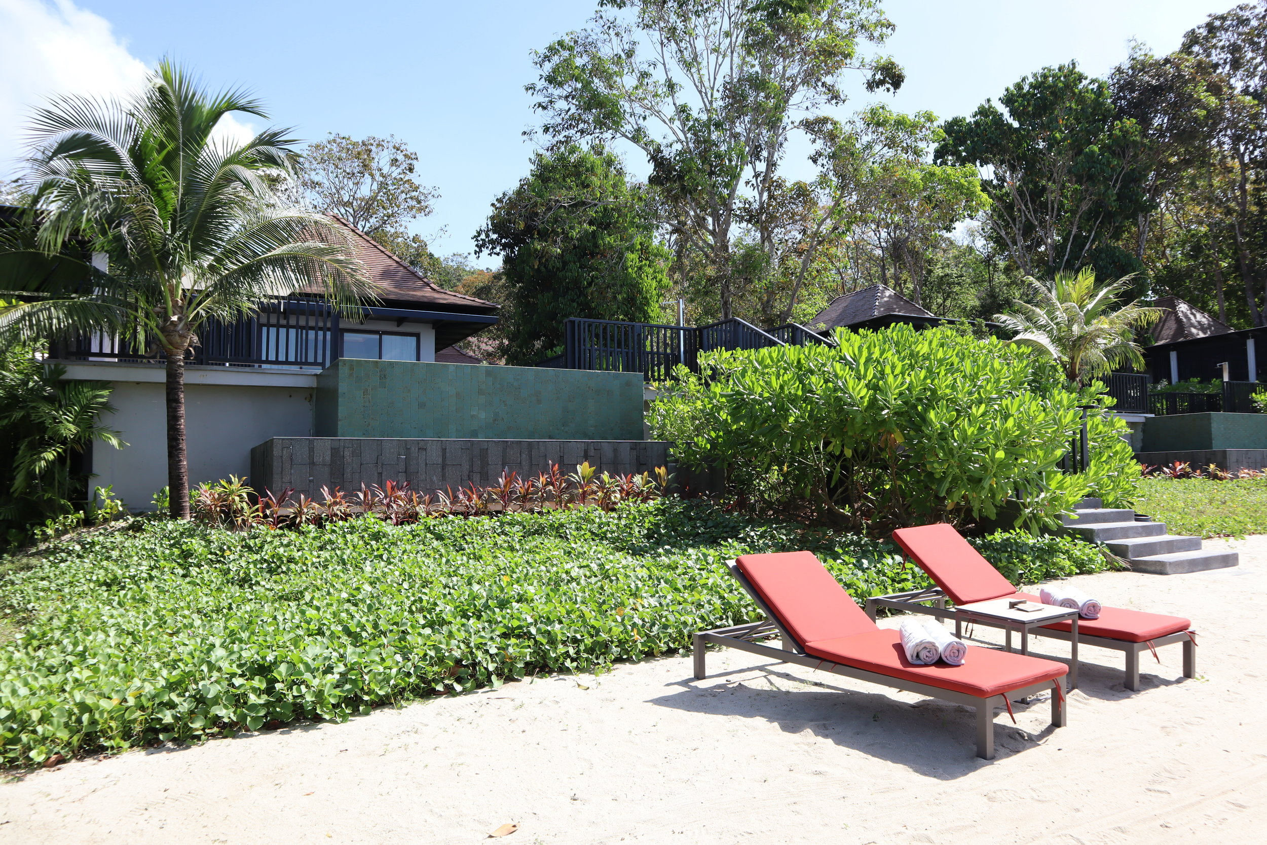 The Ritz-Carlton, Langkawi – Beachfront villas