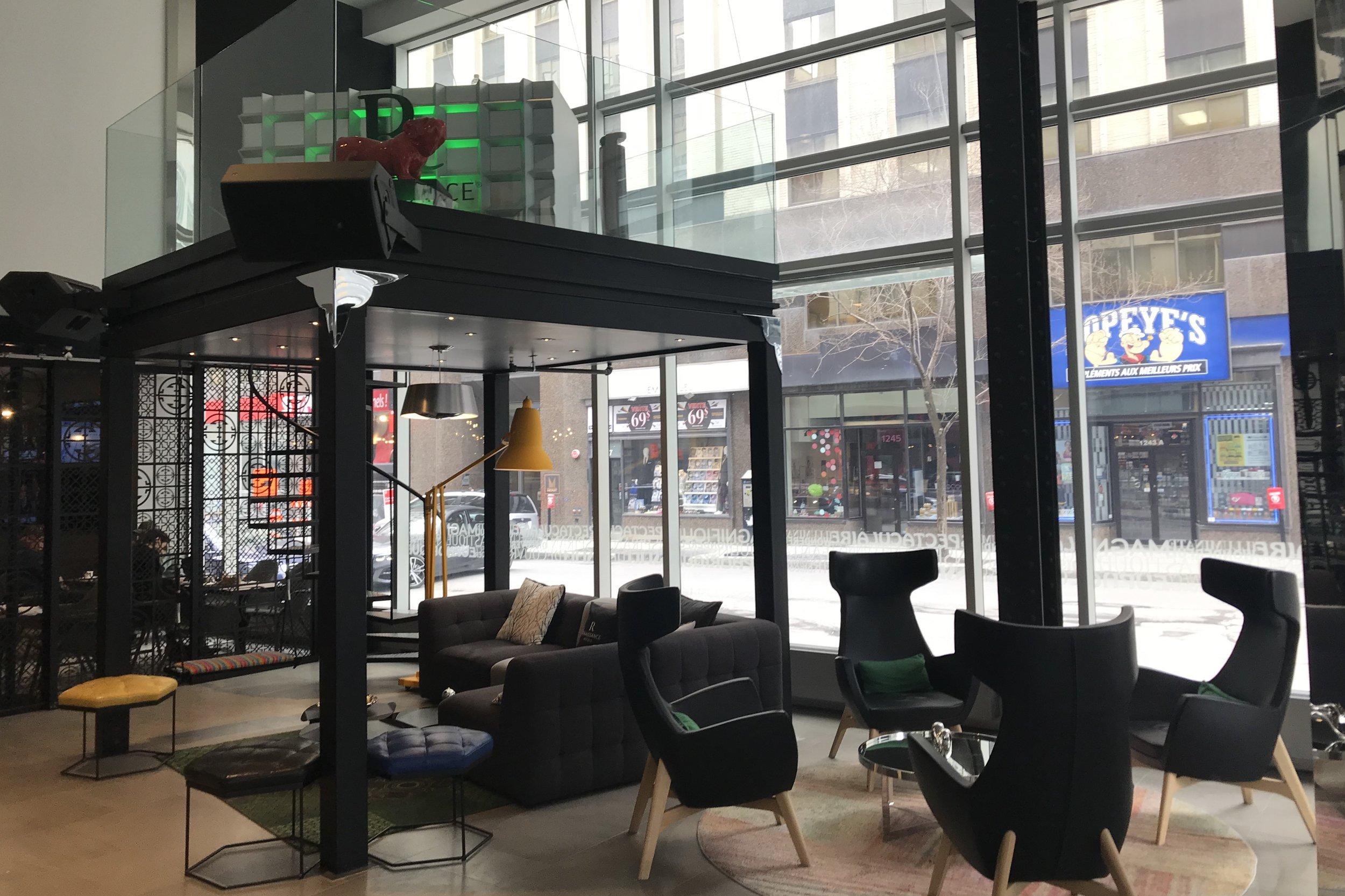 Renaissance Montreal Downtown – Lobby lounge