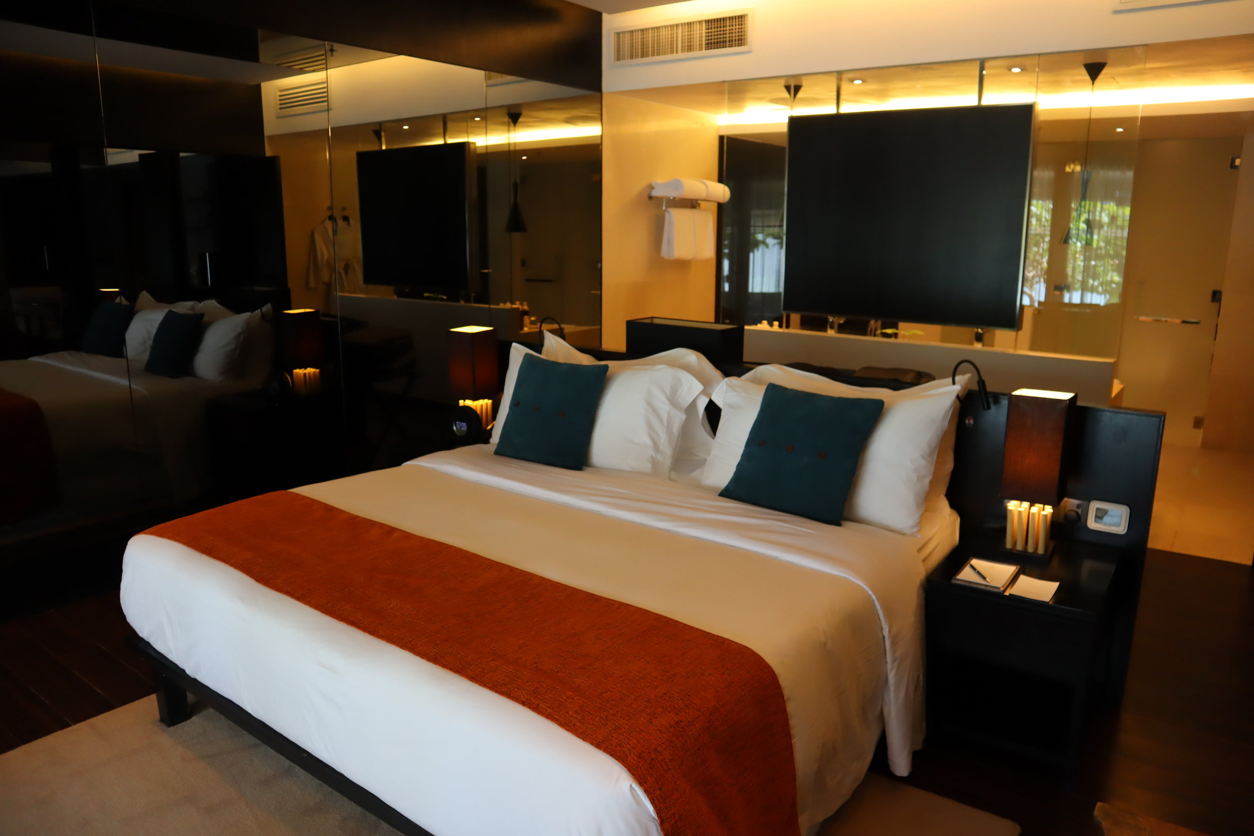 The Andaman Langkawi – Executive Pool Suite king bed