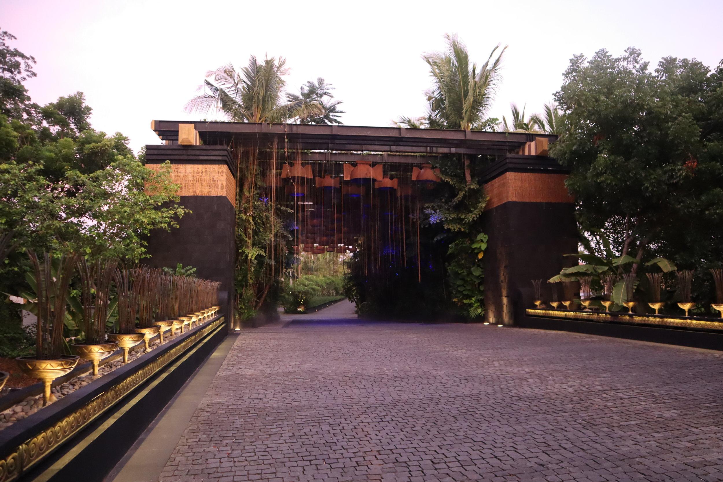 St. Regis Bali – Entryway