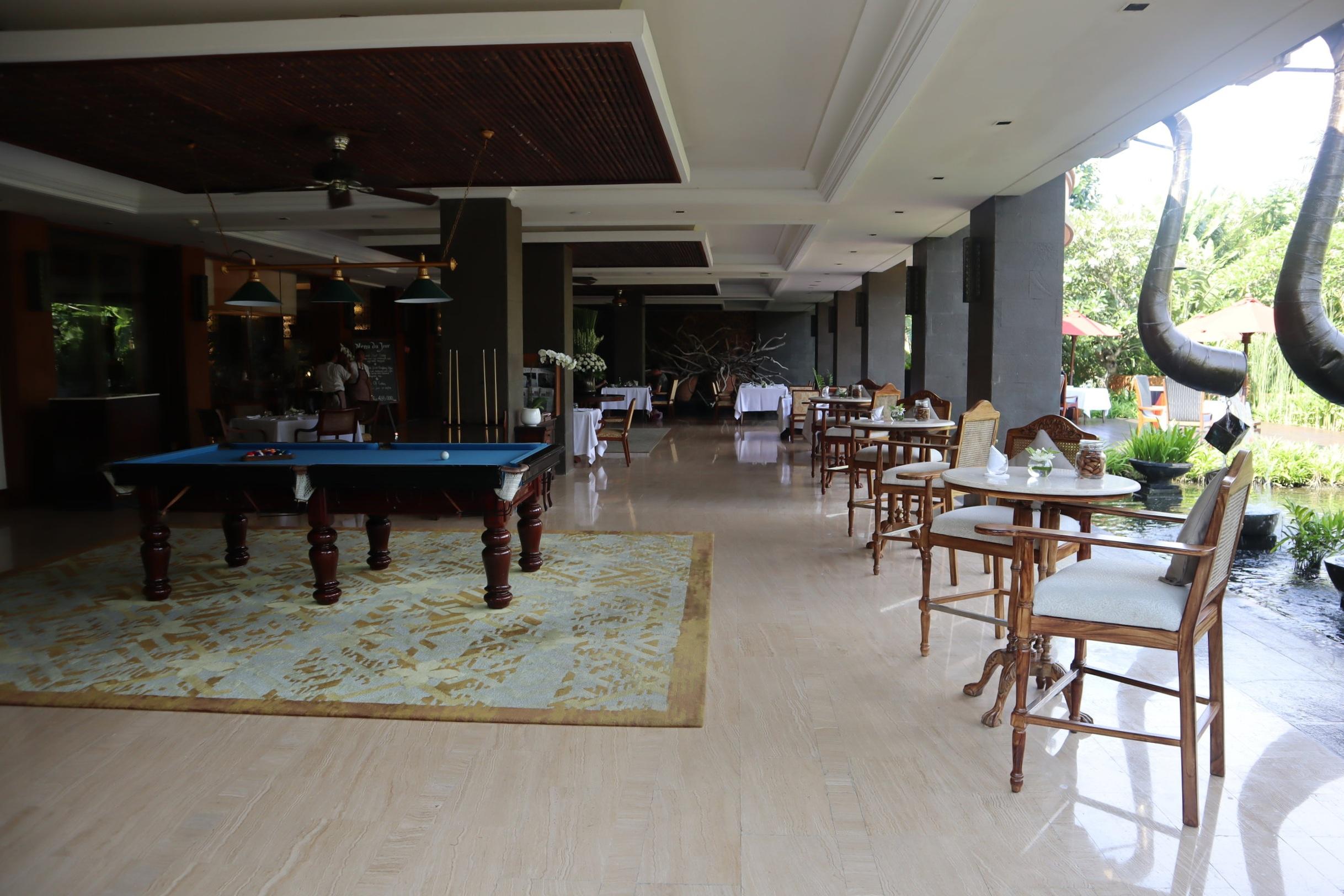 St. Regis Bali – Gourmet Deli restaurant