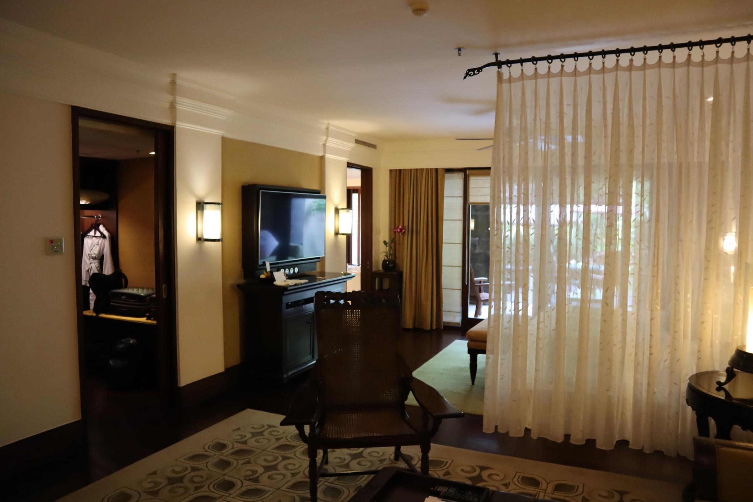 St. Regis Bali – St. Regis Pool Suite partition