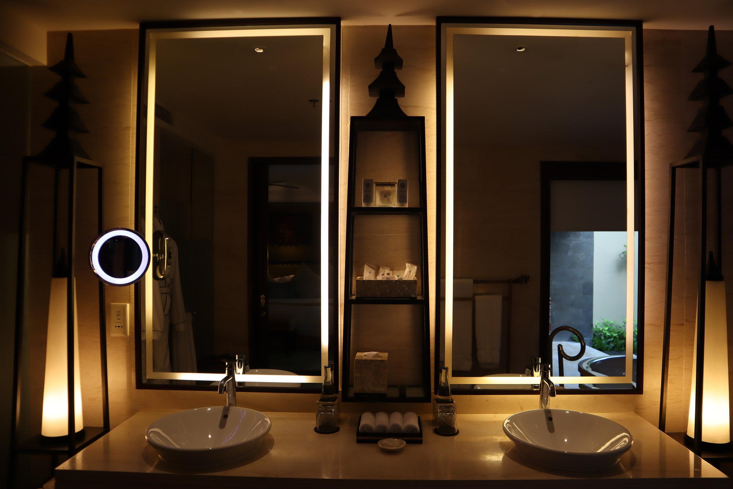 St. Regis Bali – St. Regis Pool Suite sink and mirrors
