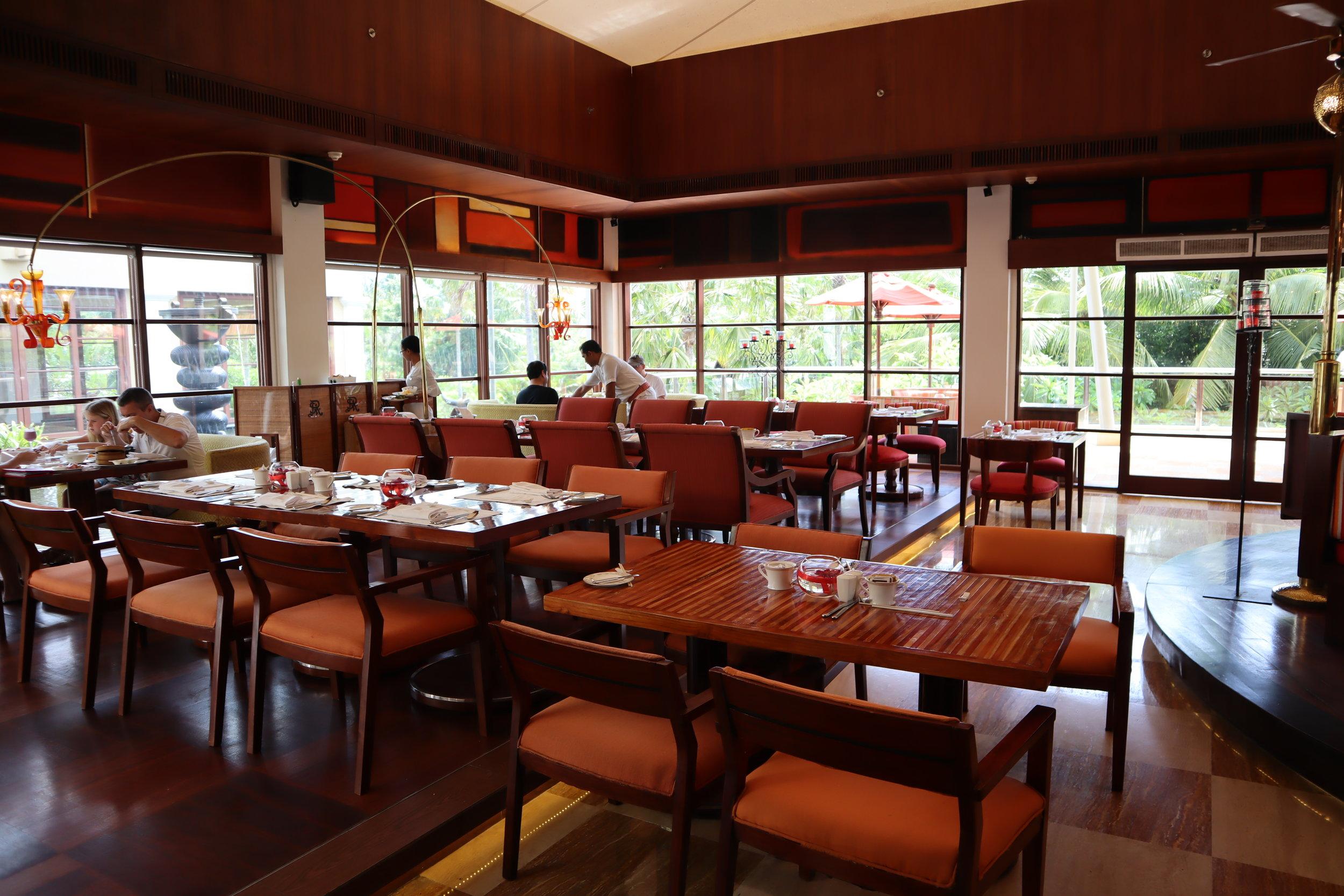 St. Regis Bali – Boneka restaurant