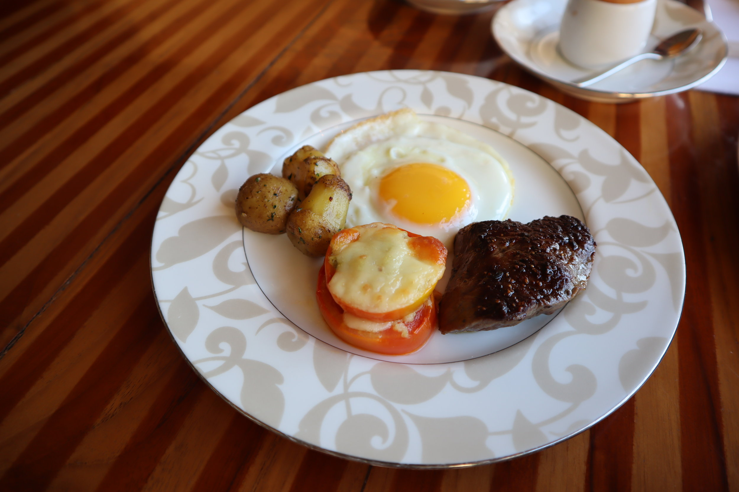 St. Regis Bali – Steak and eggs