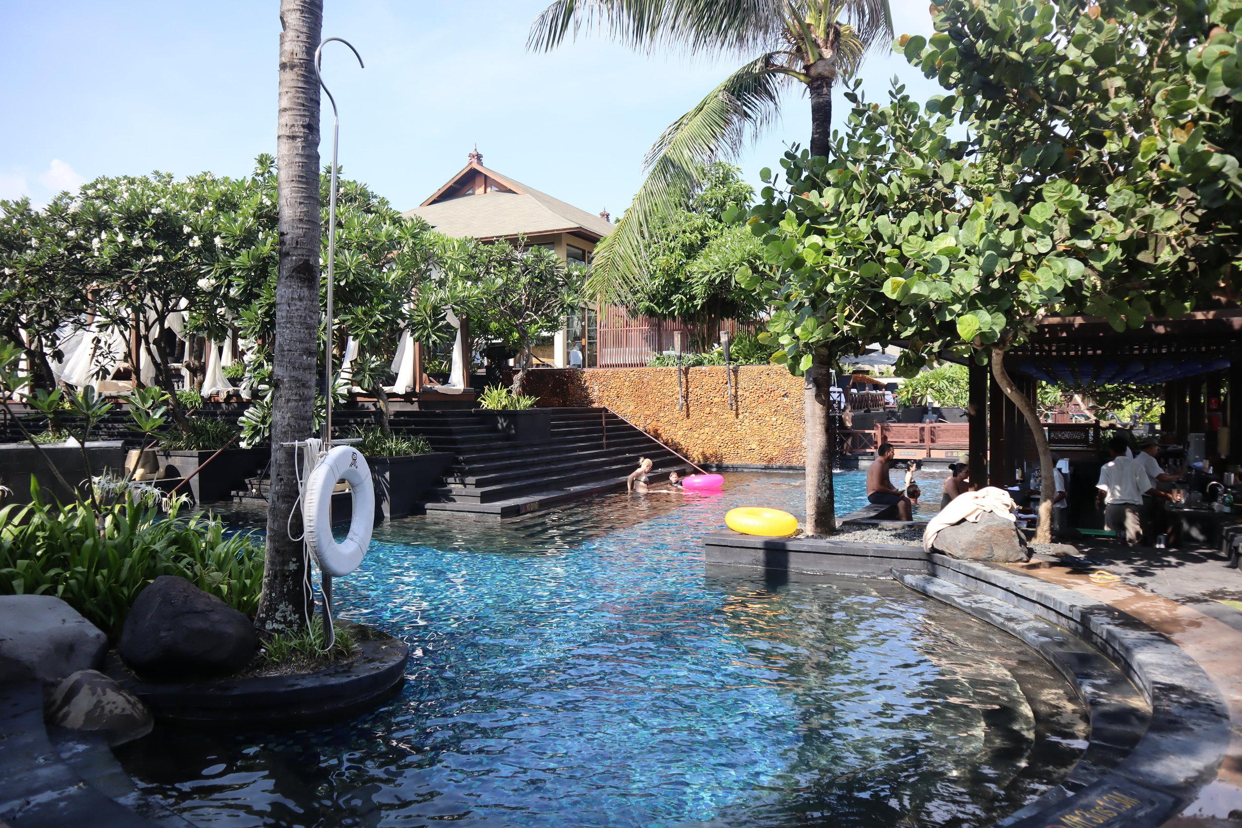 St. Regis Bali – Vista Bar