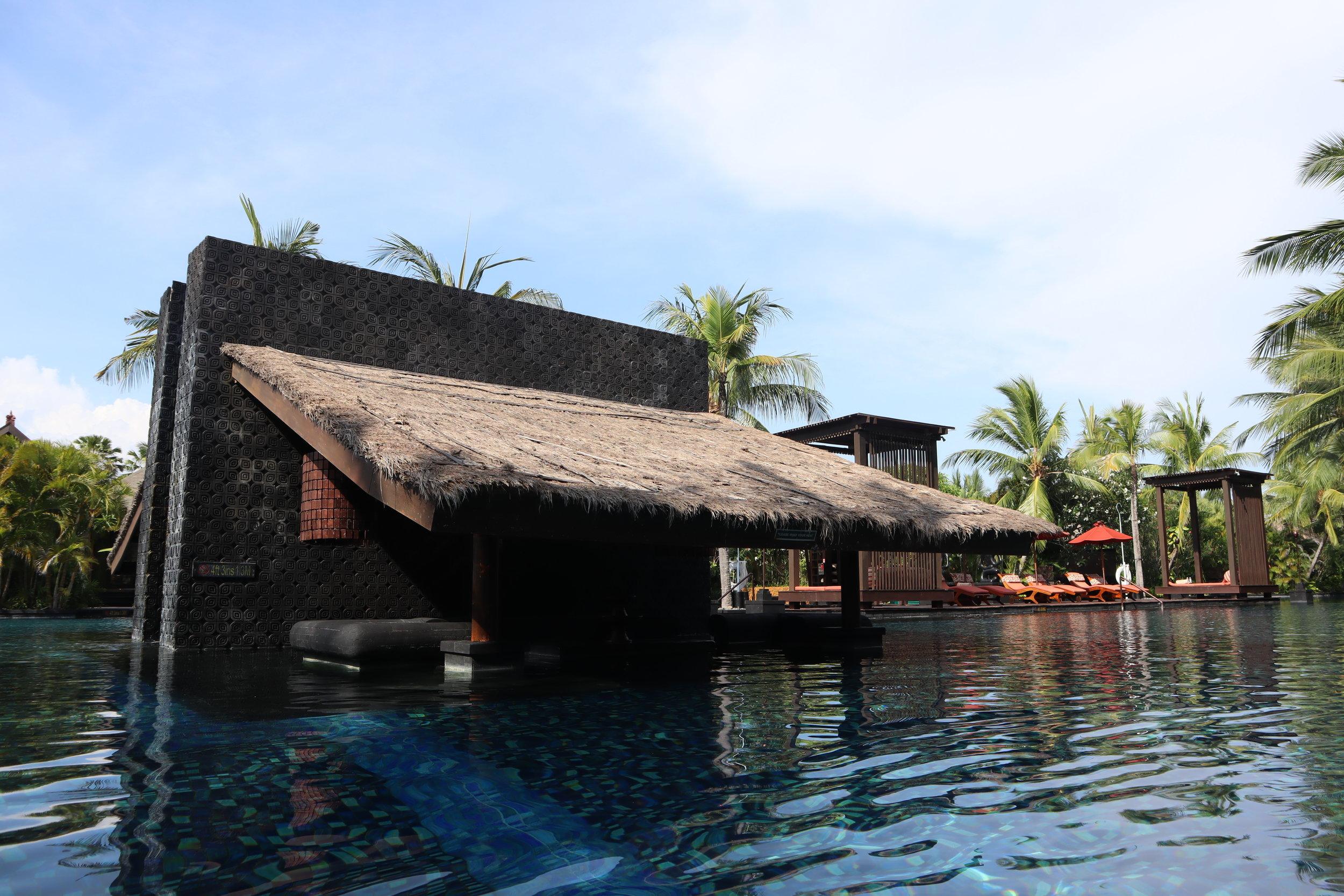 St. Regis Bali – Saltwater lagoon underwater house