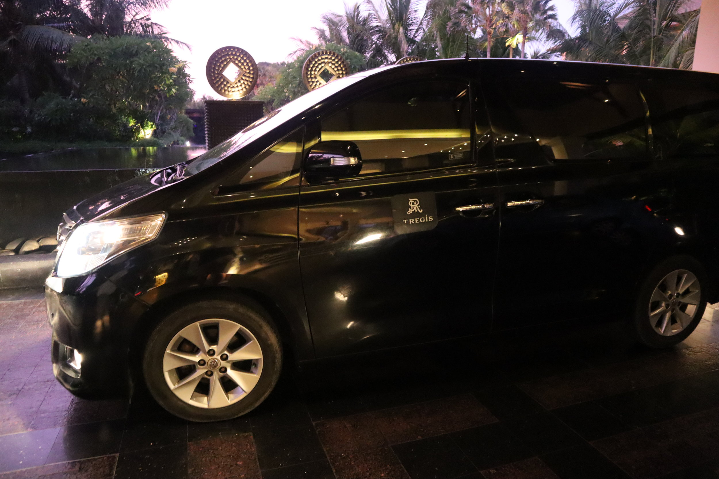St. Regis Bali – Complimentary airport transfer