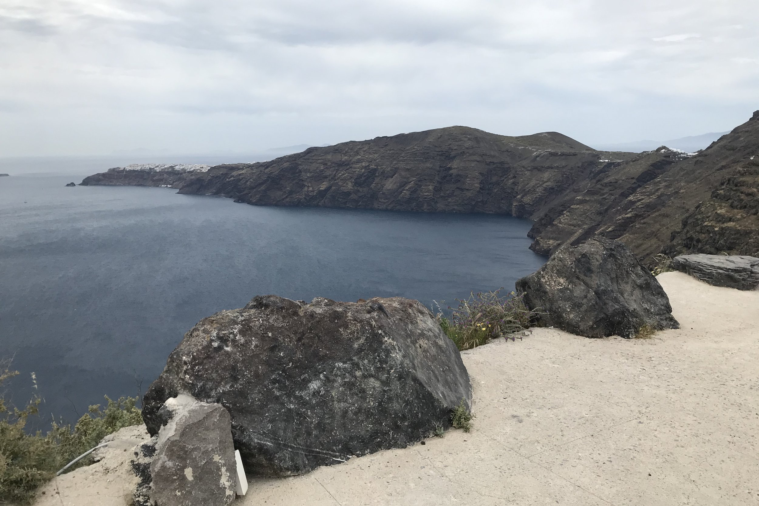 Hiking trail from Fira to Oia