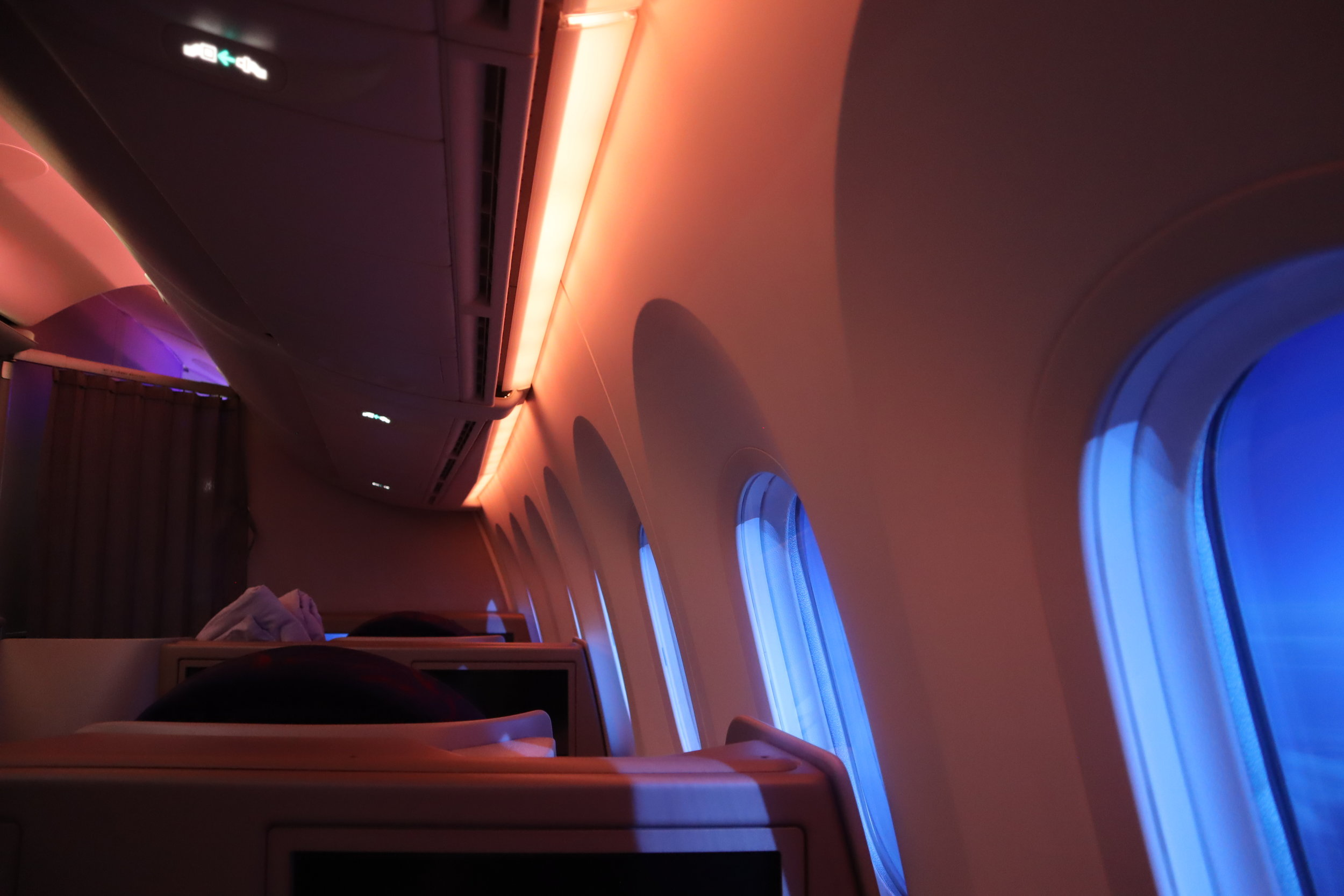 Air China business class – Dimmed windows