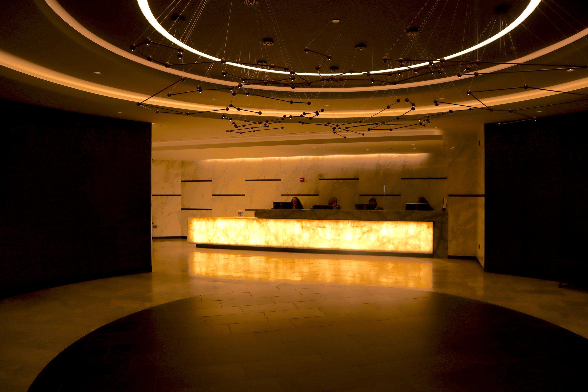 United Polaris Lounge Newark – Foyer