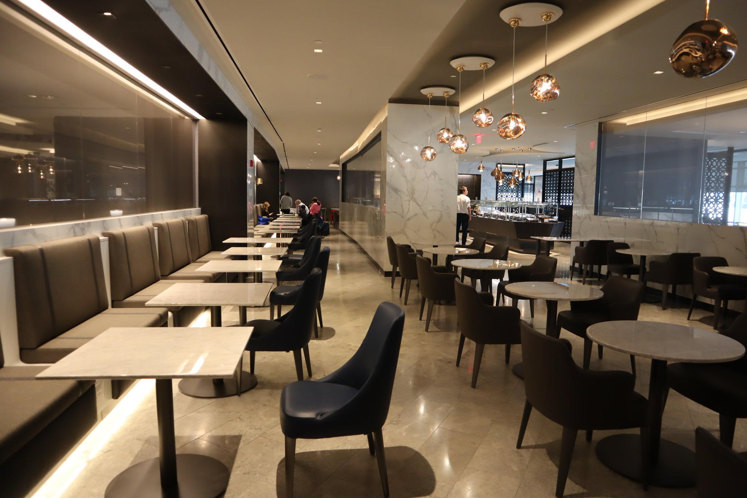 United Polaris Lounge Newark – Buffet seating area