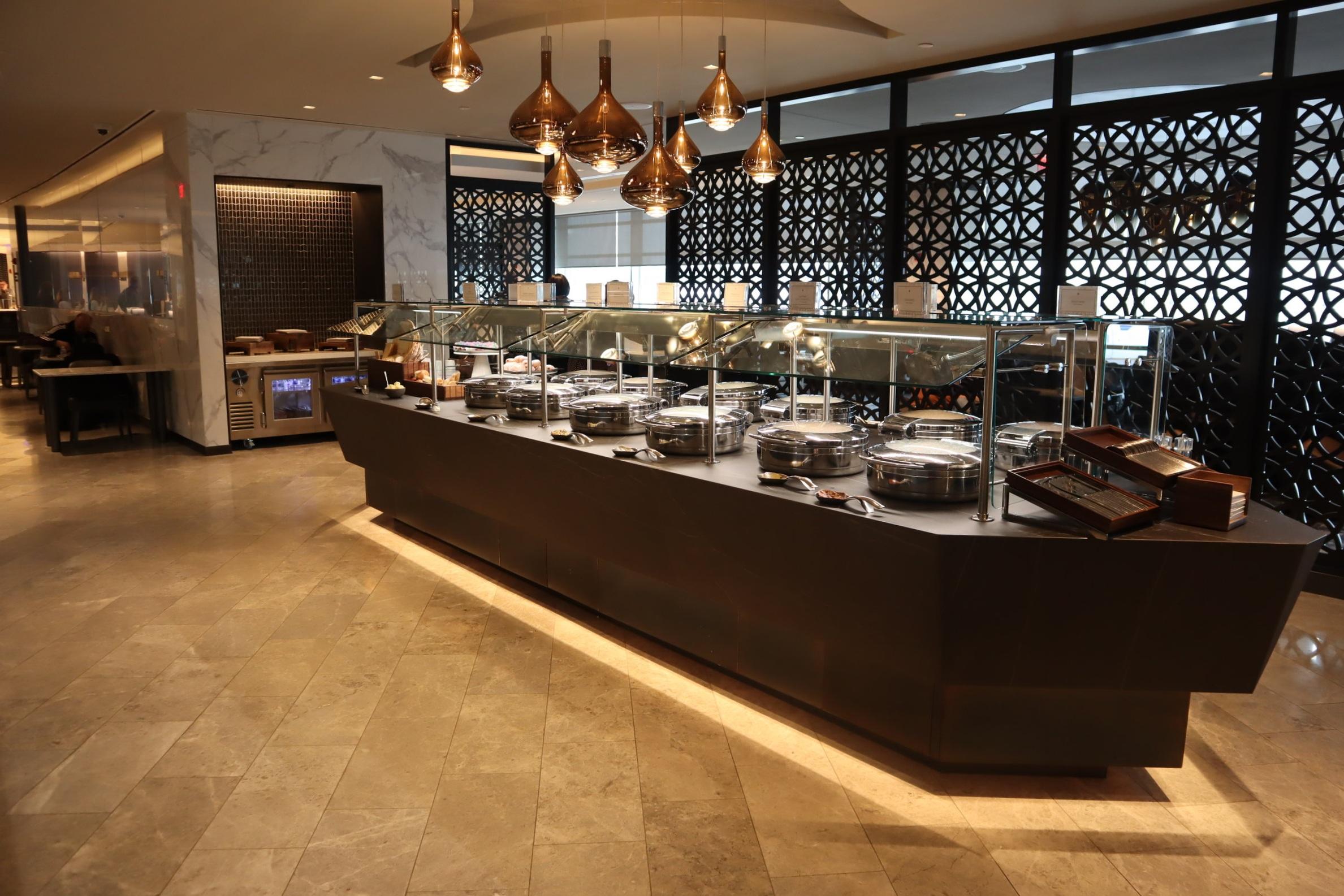 United Polaris Lounge Newark – Buffet