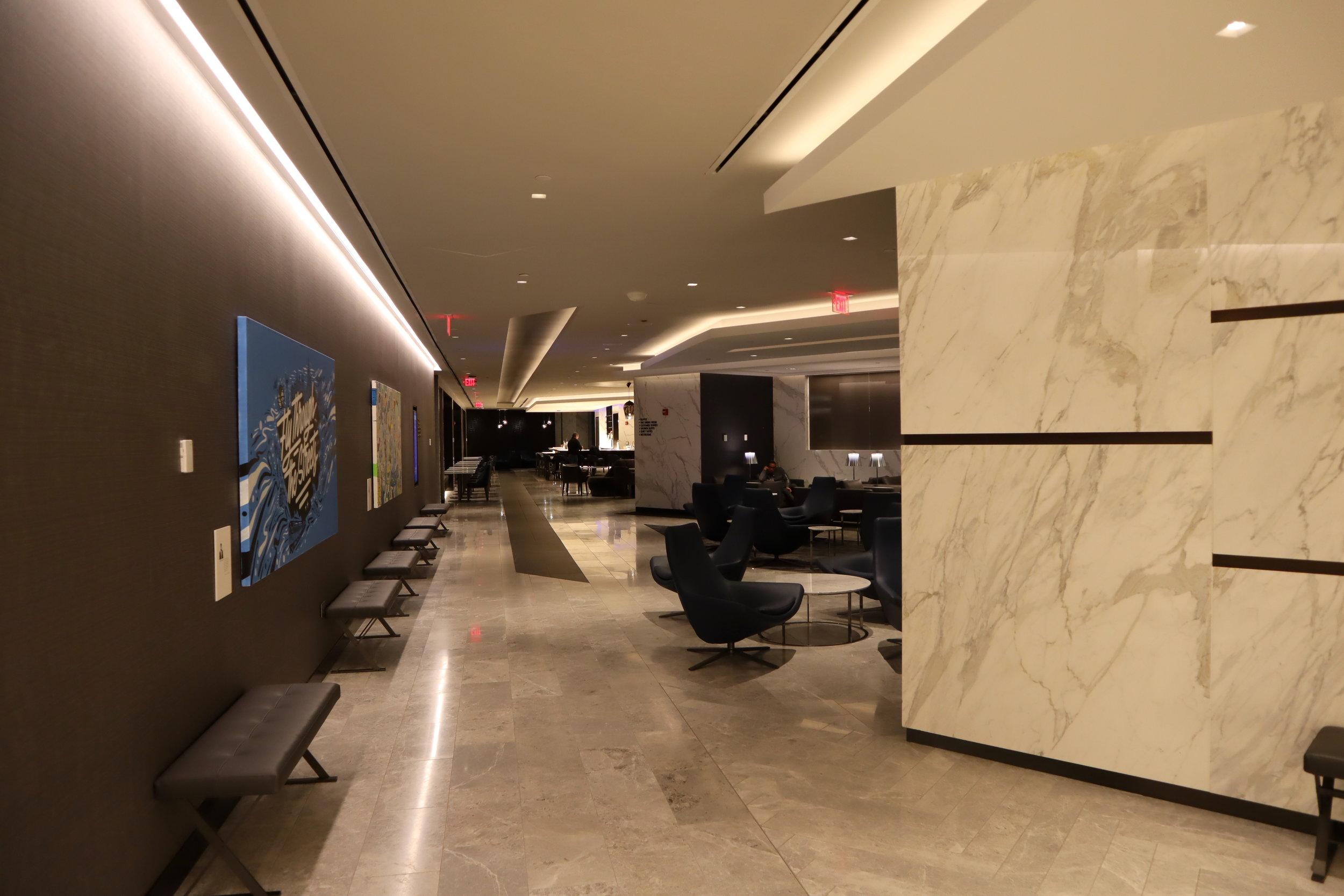 United Polaris Lounge Newark – Leaving the lounge