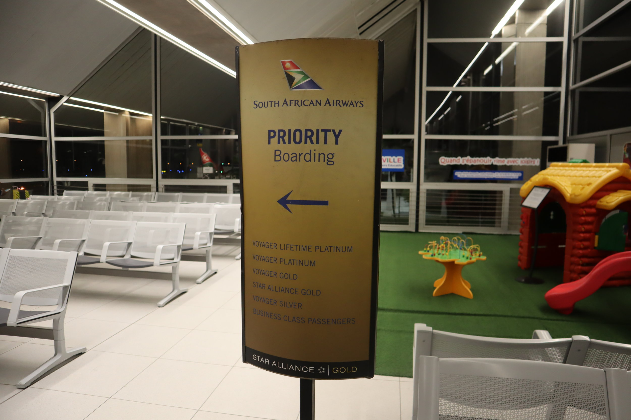 South African Airways business class – Boarding sign