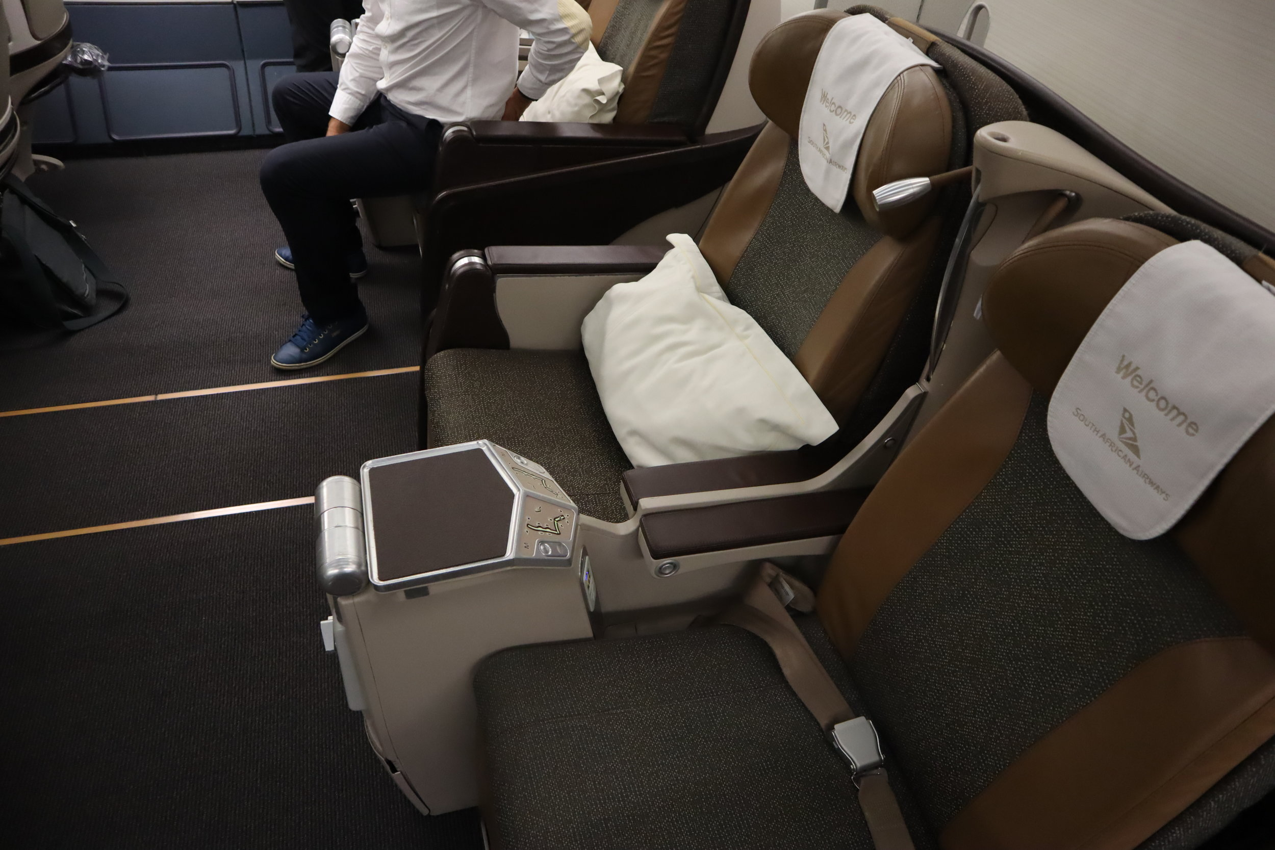 South African Airways business class – Seats 4D and 4G