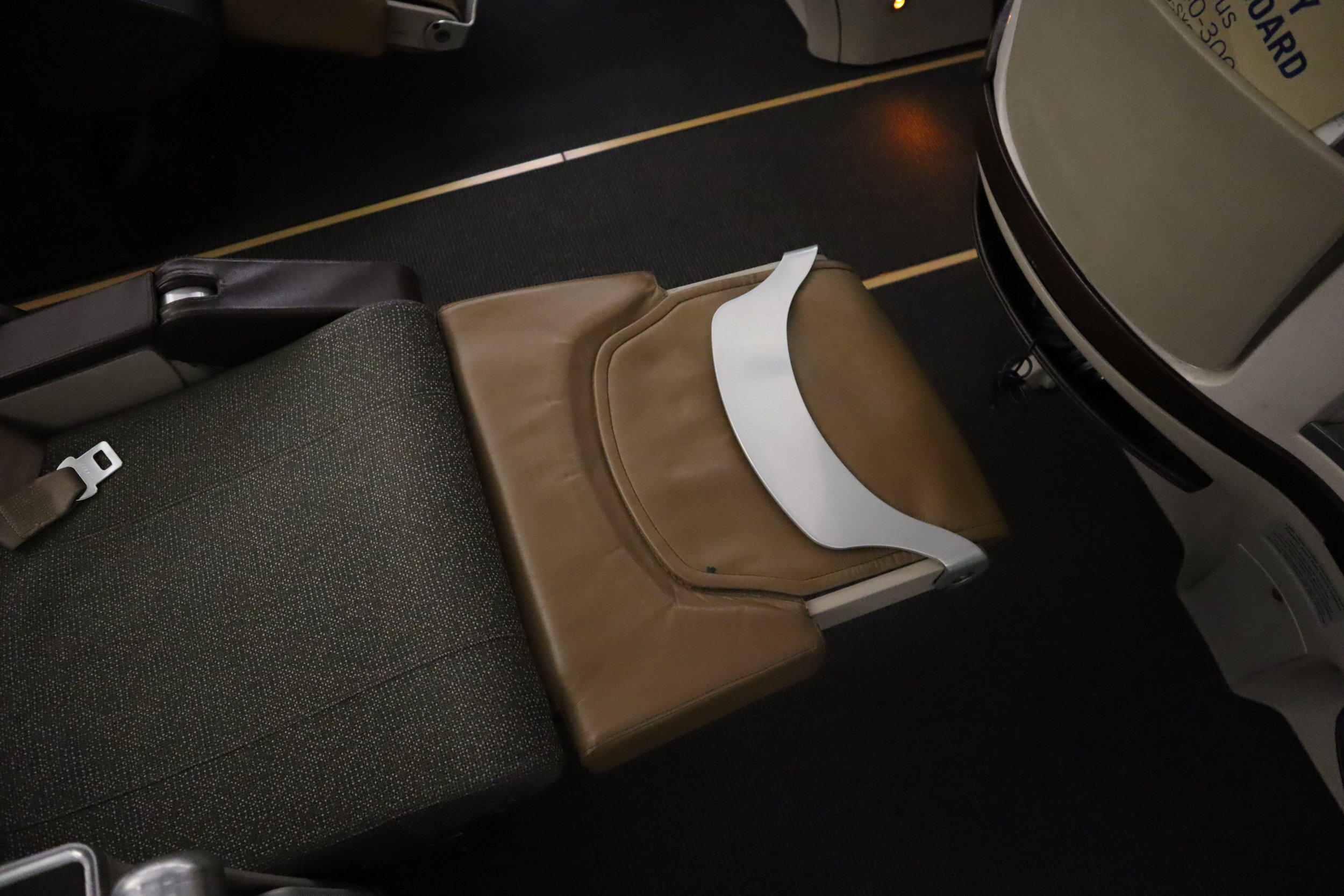 South African Airways business class – Lie-flat bed