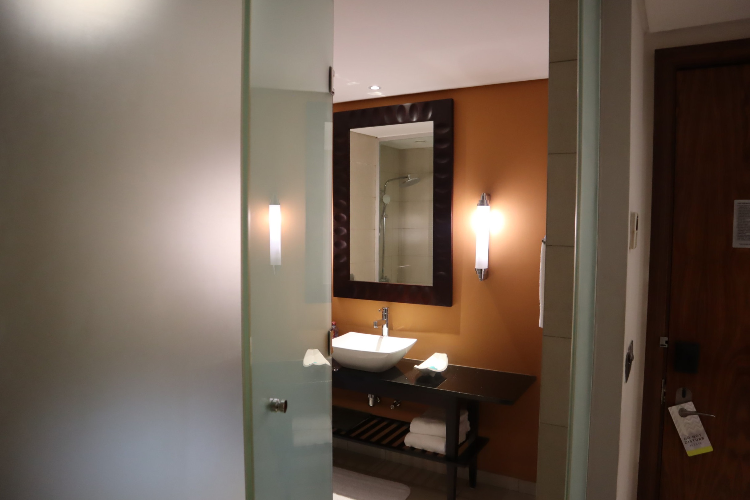 Marriott Accra – Bathroom