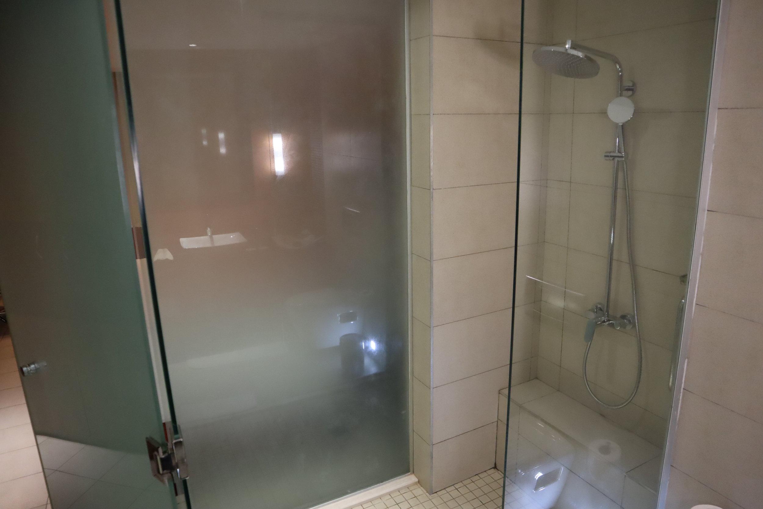Marriott Accra – Shower