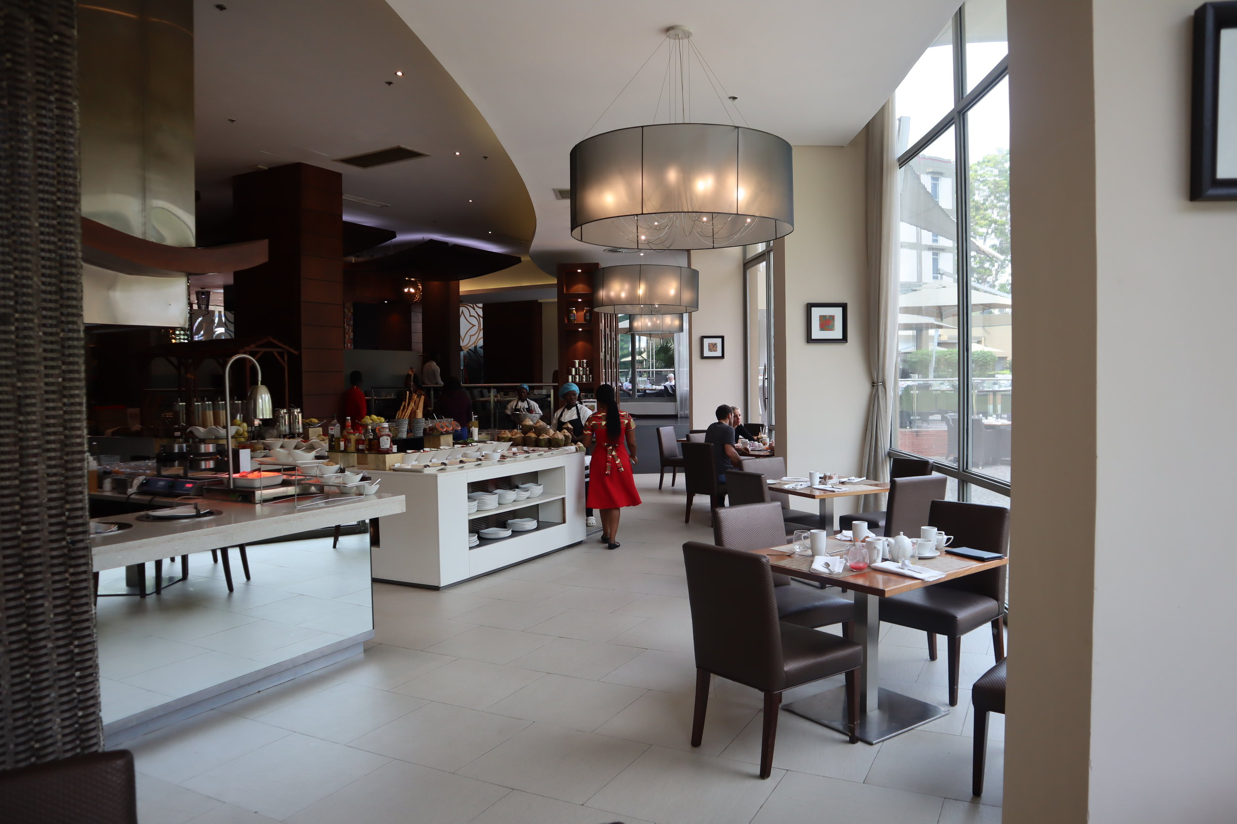 Marriott Accra – Red Red restaurant breakfast