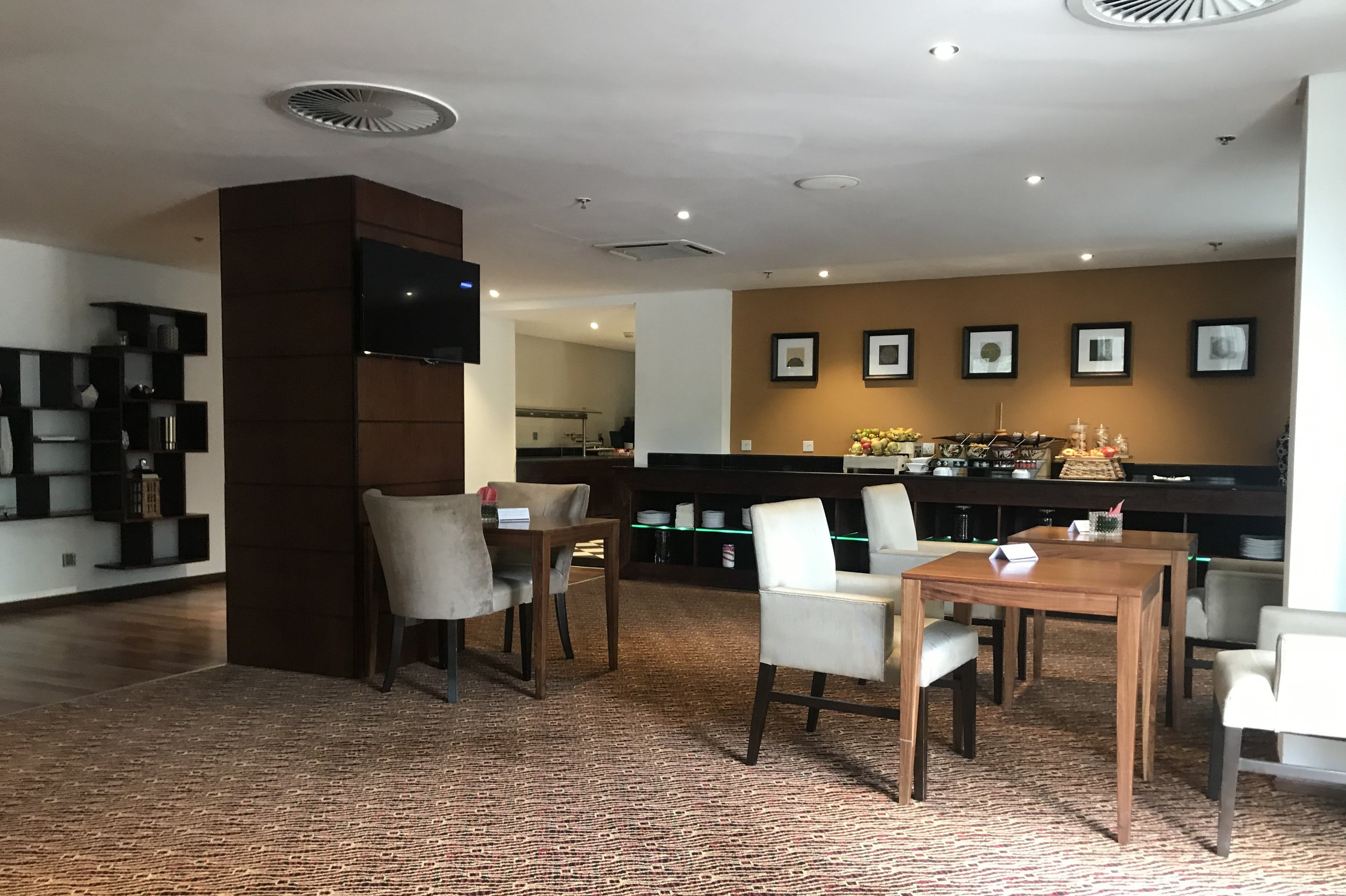 Marriott Accra – Executive Lounge seating area