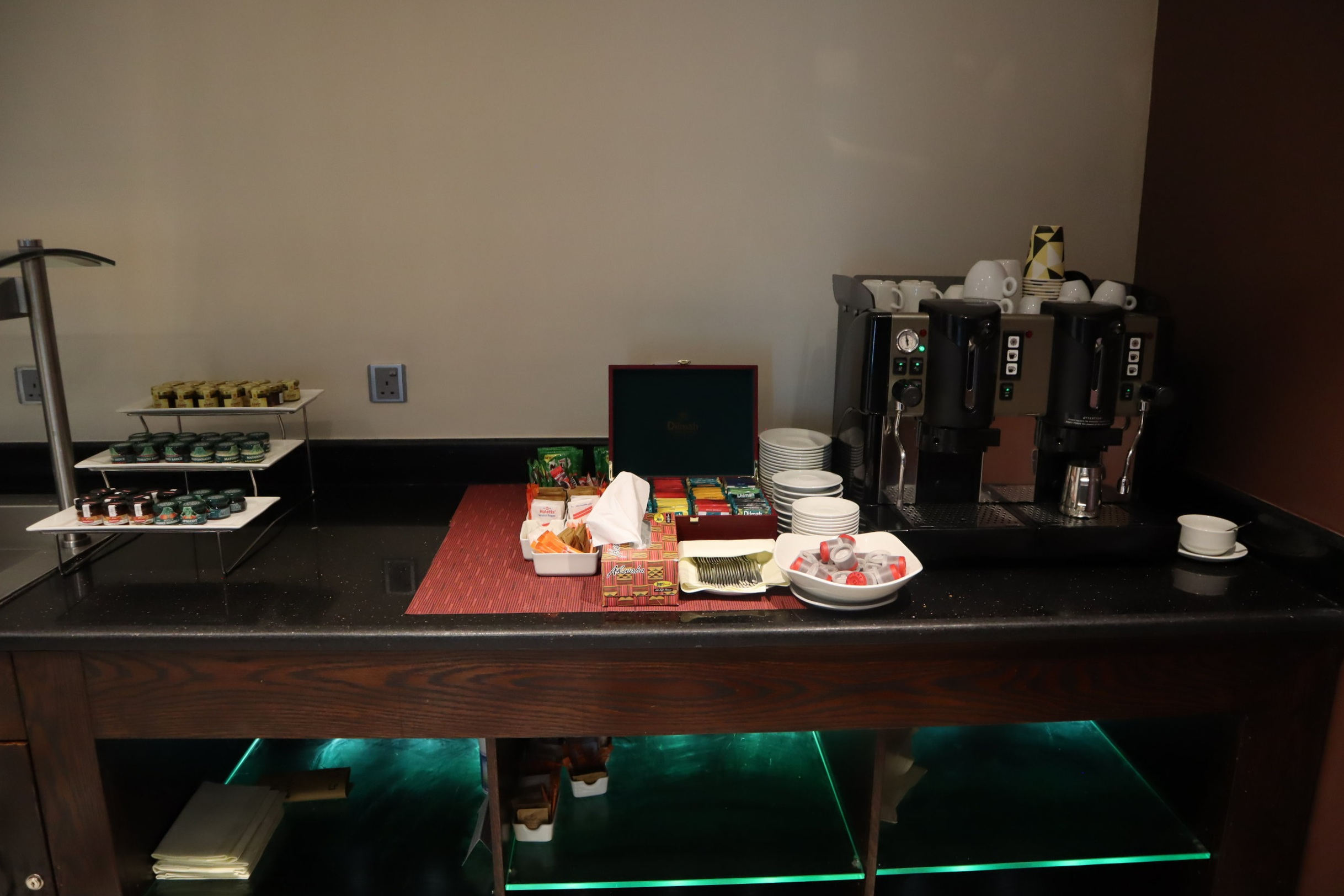 Marriott Accra – Executive Lounge coffee and tea