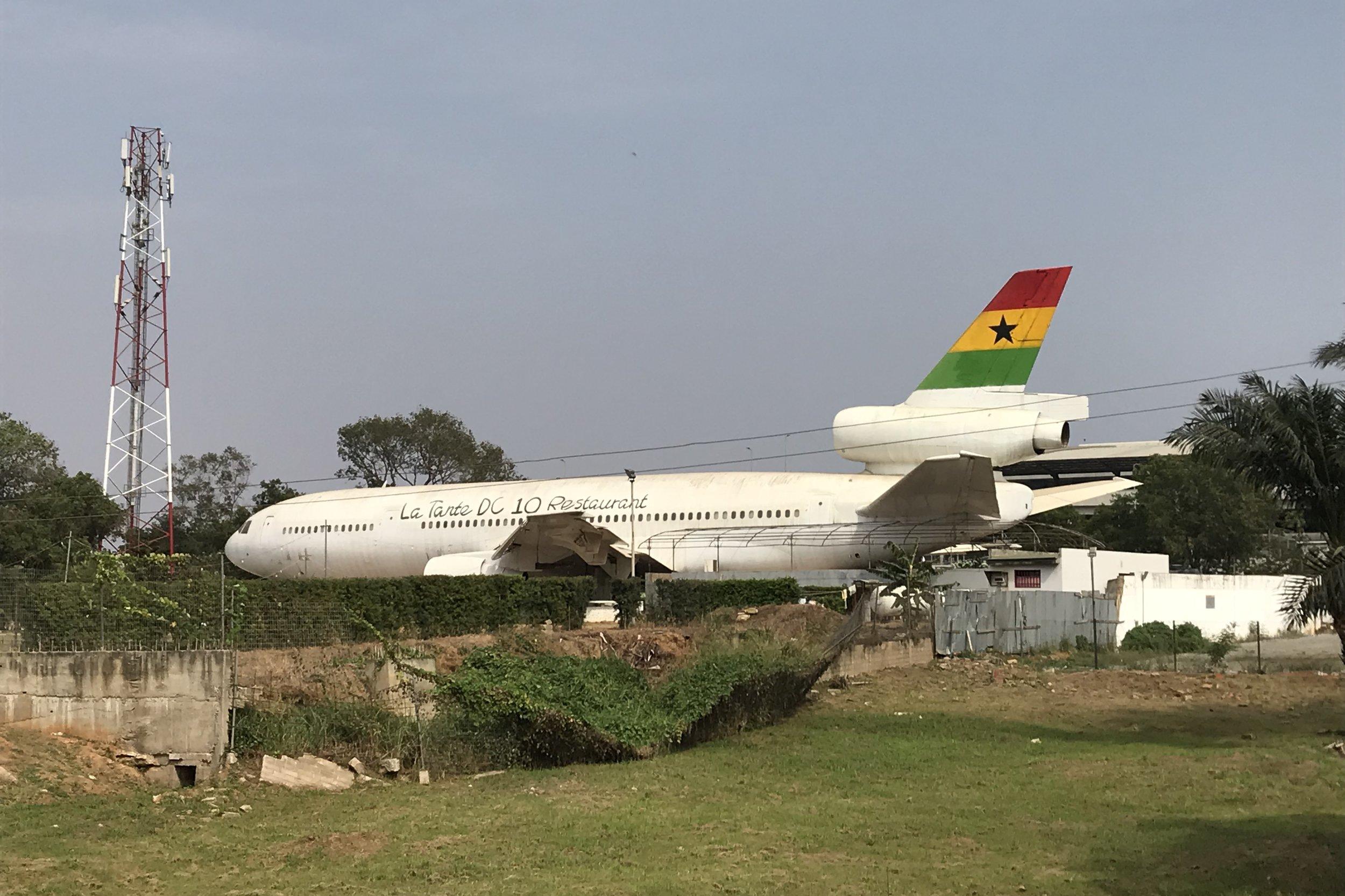 La Tante DC-10 Restaurant – Exterior
