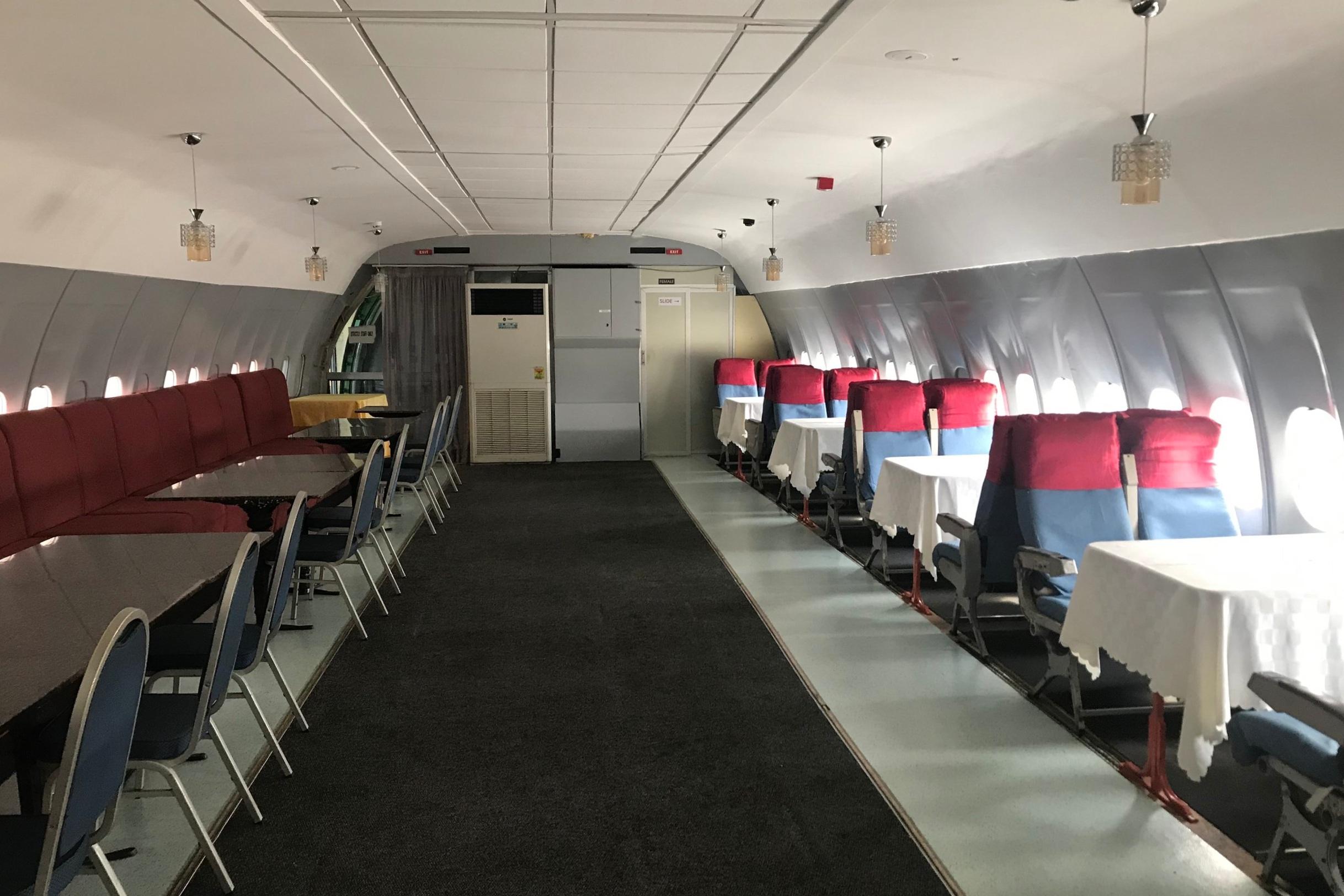 La Tante DC-10 Restaurant – Seating