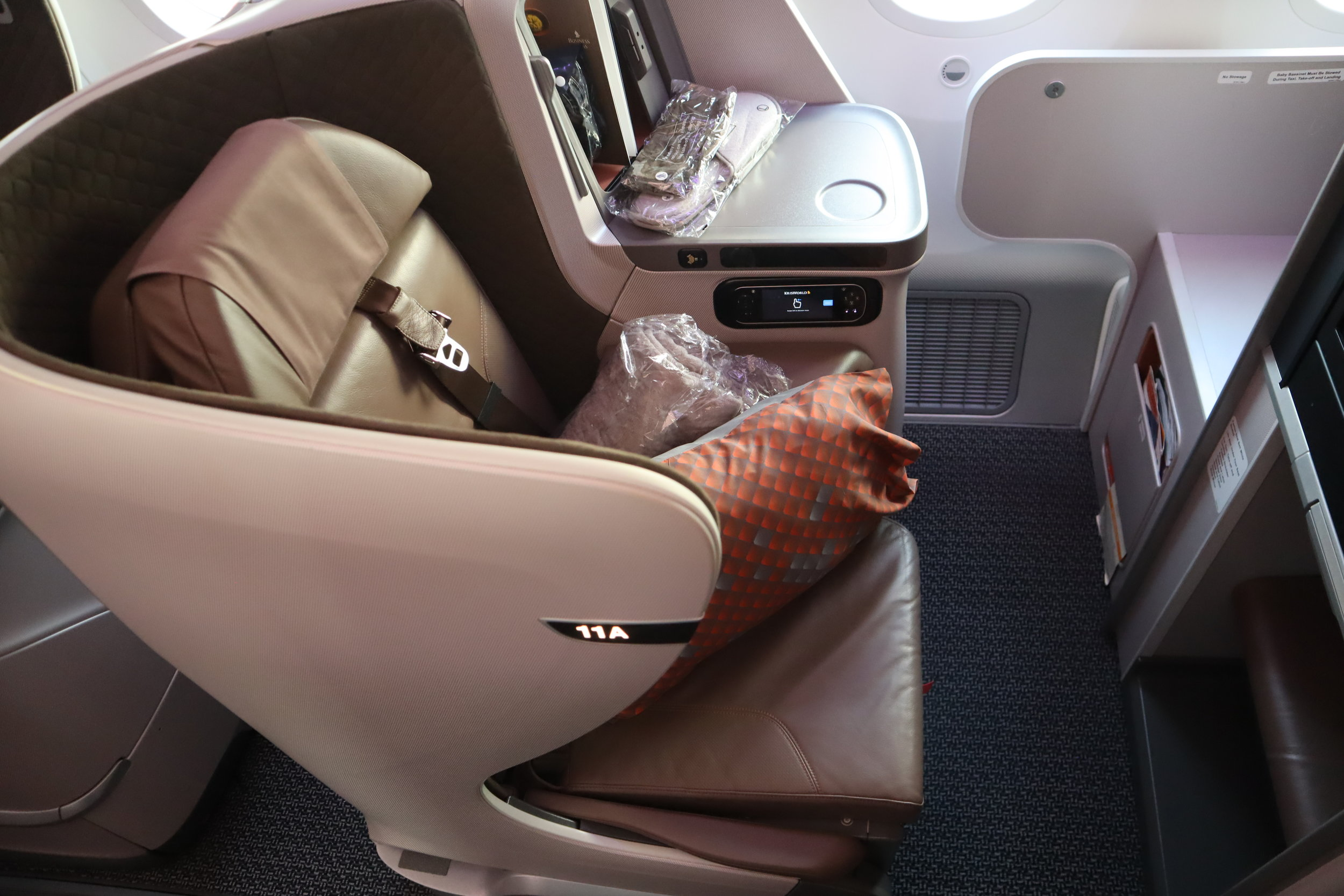 Singapore Airlines 787-10 business class – Seat 11A