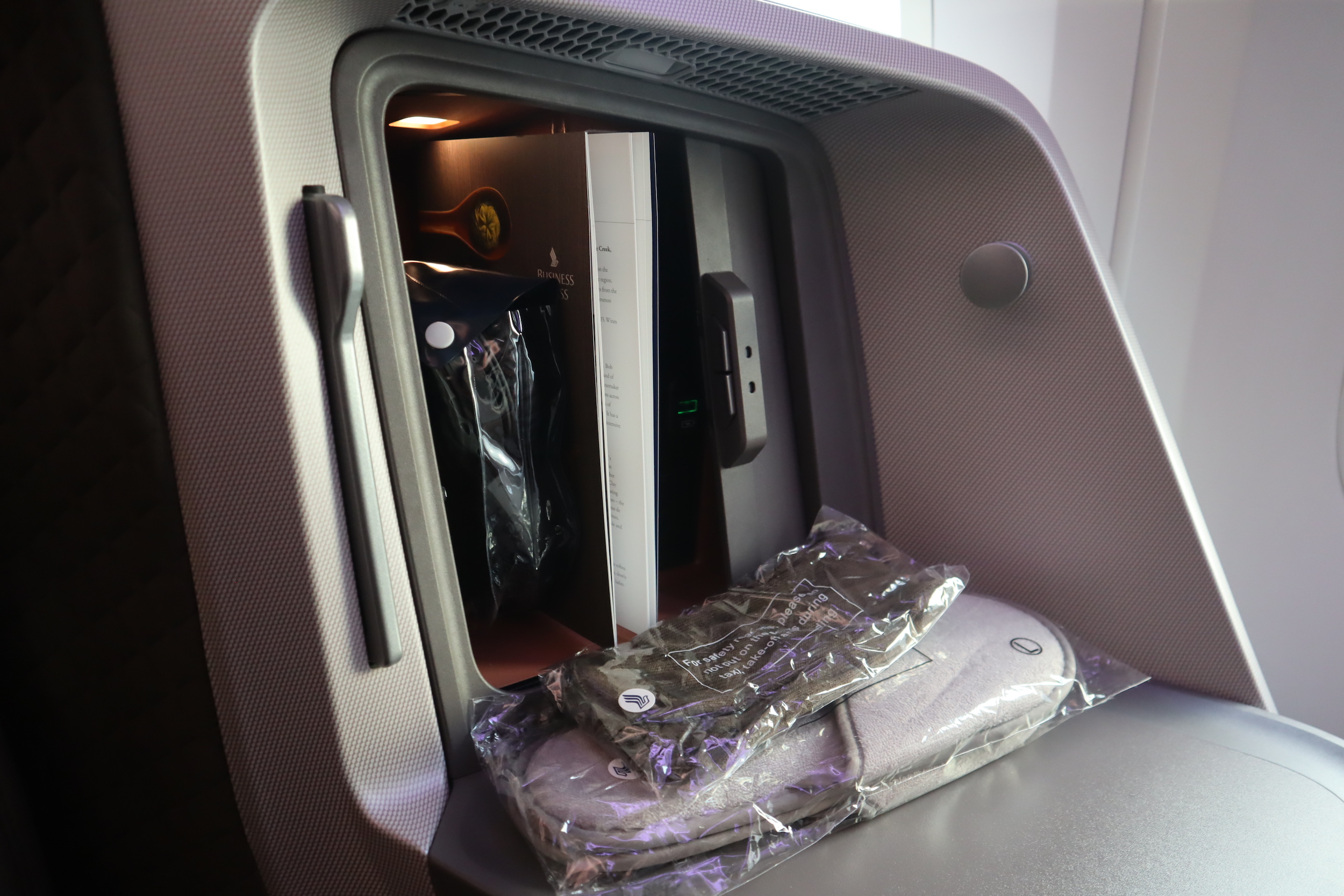 Singapore Airlines 787-10 business class – Pre-departure amenities