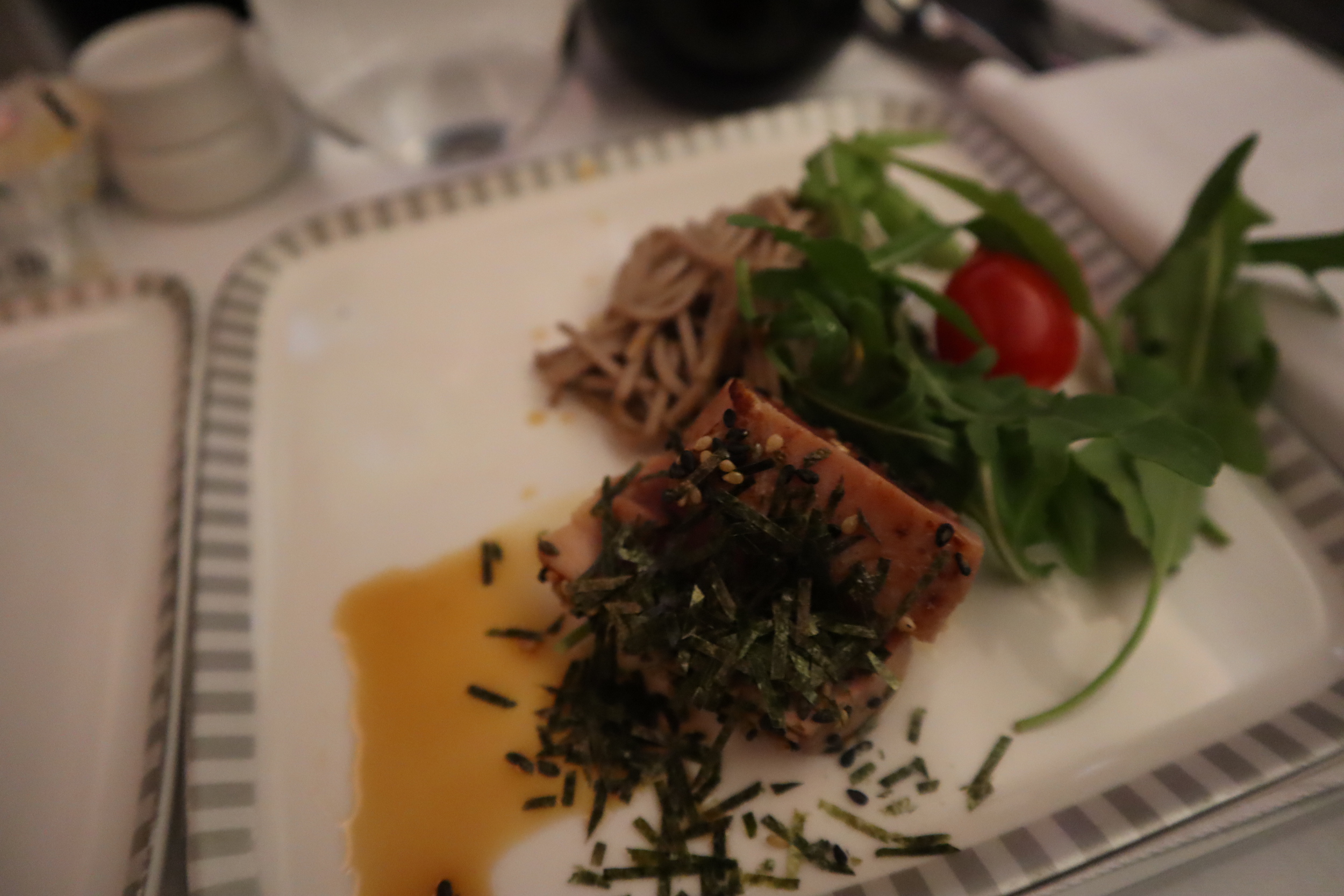 Singapore Airlines 787-10 business class – Soba noodles with seared albacore tuna