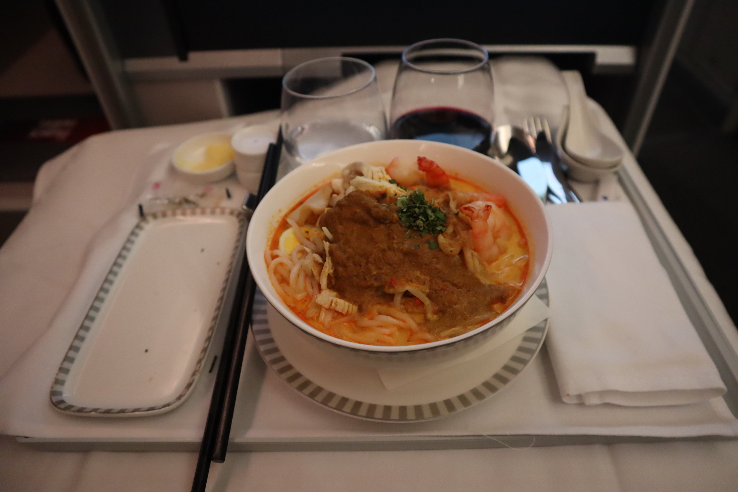 Singapore Airlines 787-10 business class – Chicken and prawn laksa
