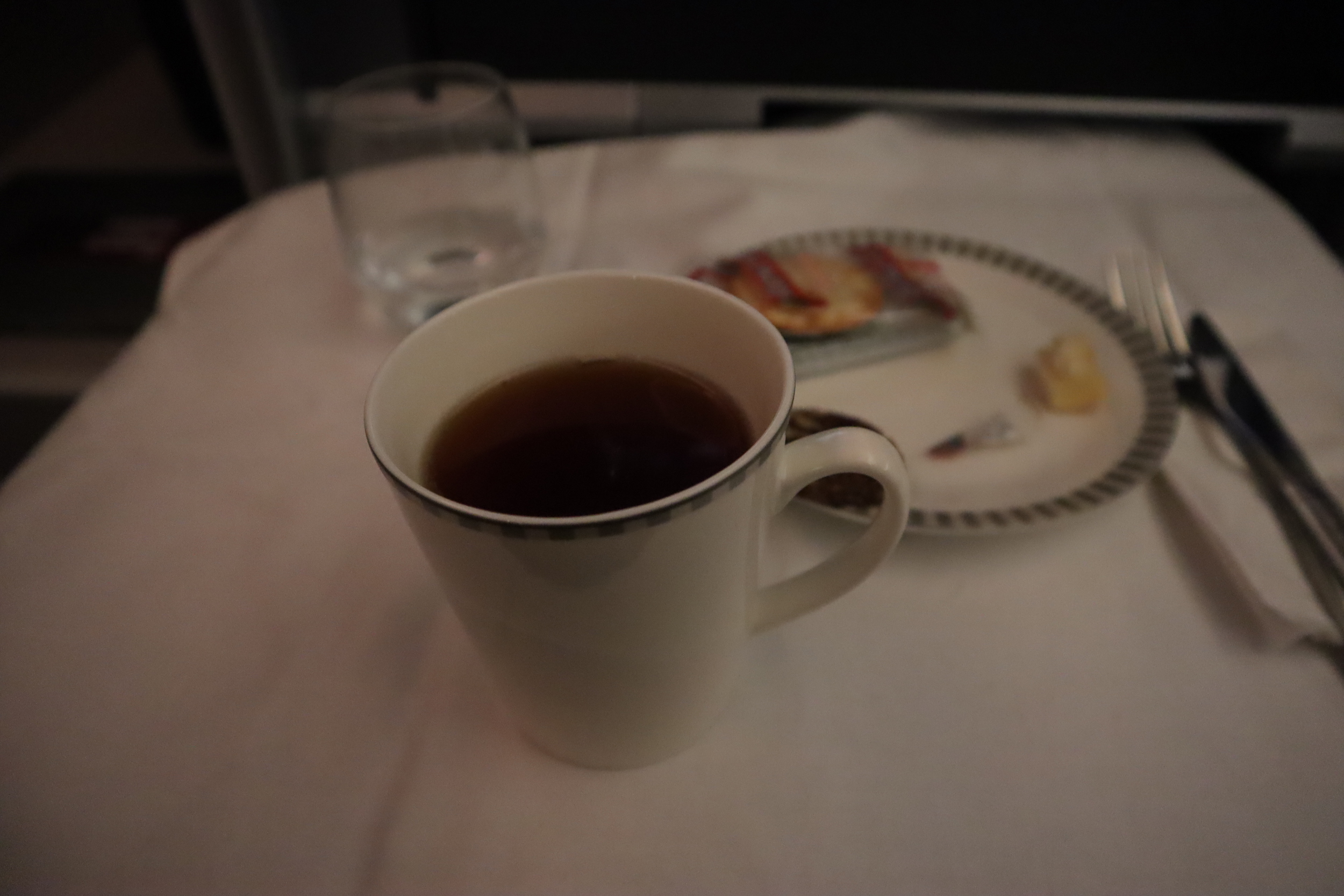 Singapore Airlines 787-10 business class – Earl Grey tea