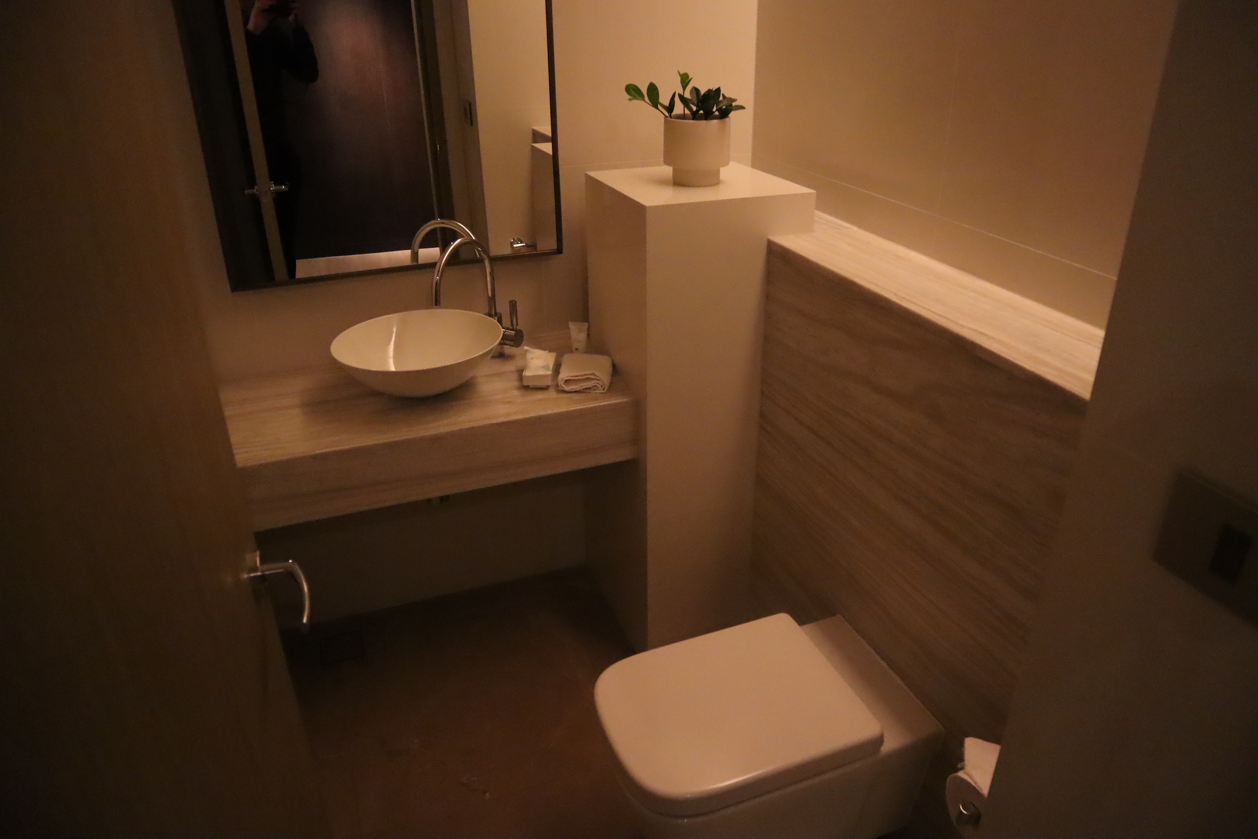 Westin Perth – Westin Suite half bath