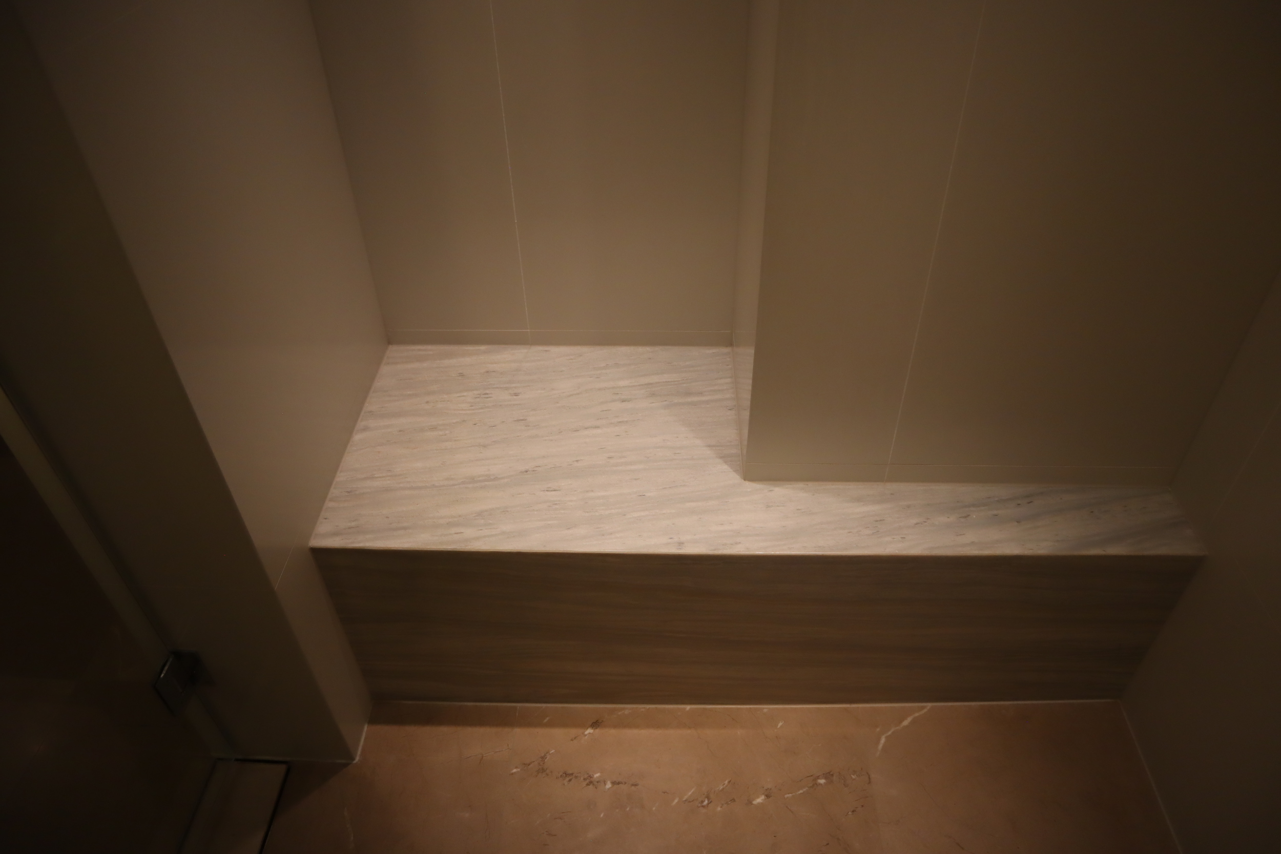 Westin Perth – Westin Suite shower bench