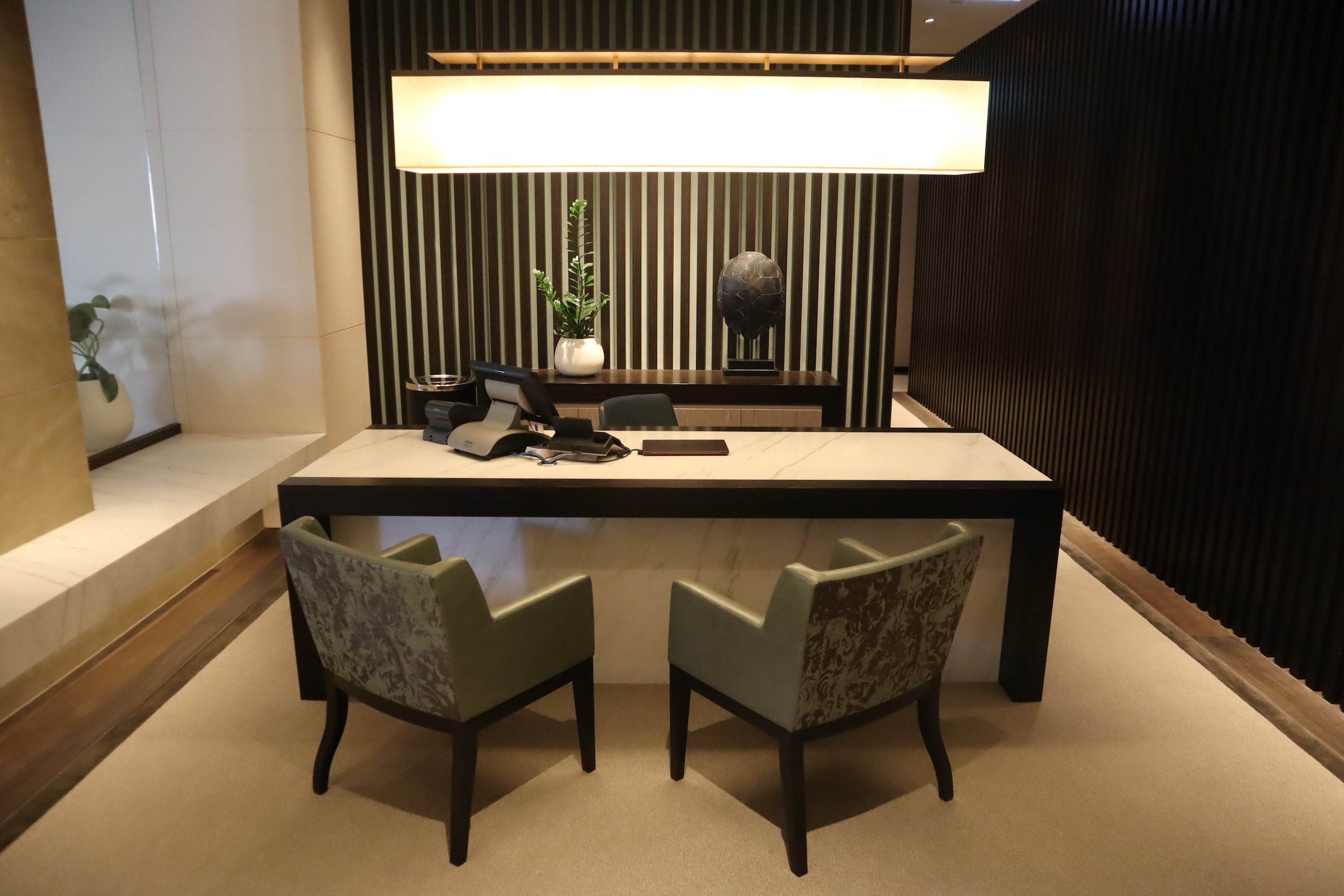 Westin Perth – Executive Lounge front desk