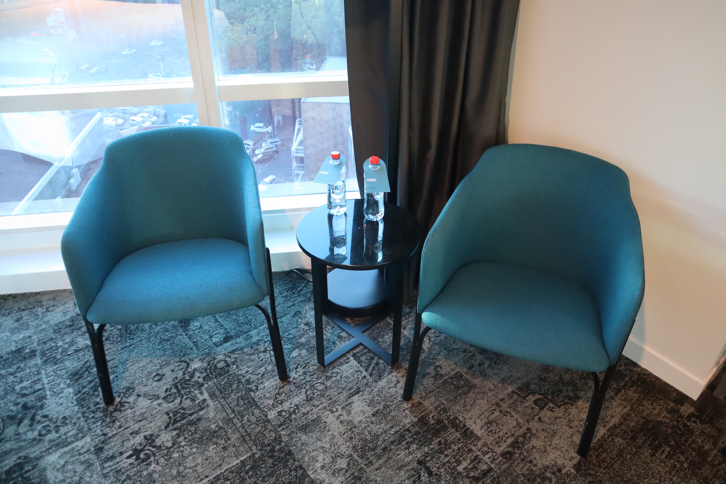 Four Points by Sheraton Auckland – Corner Room chairs