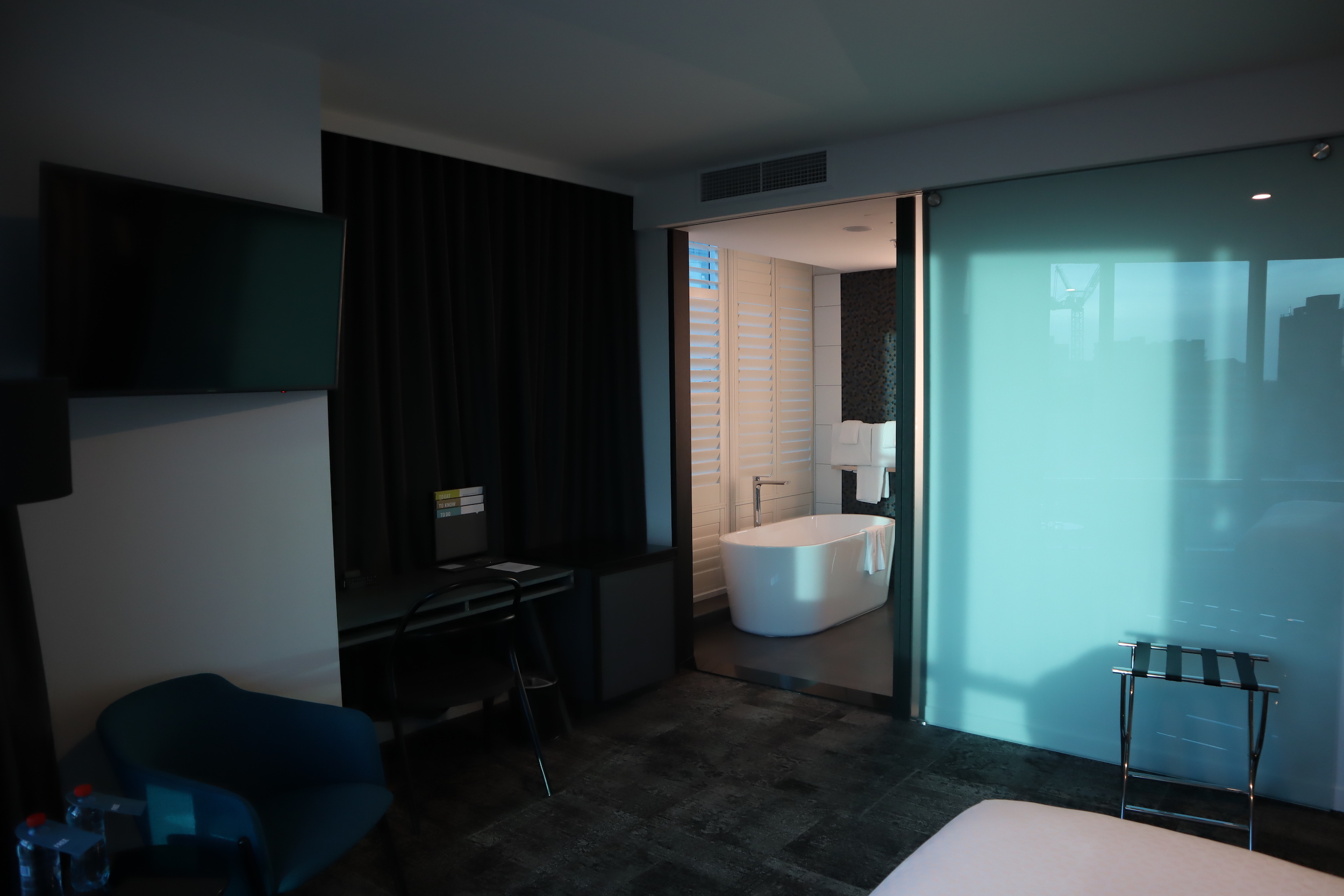 Four Points by Sheraton Auckland – Corner Room