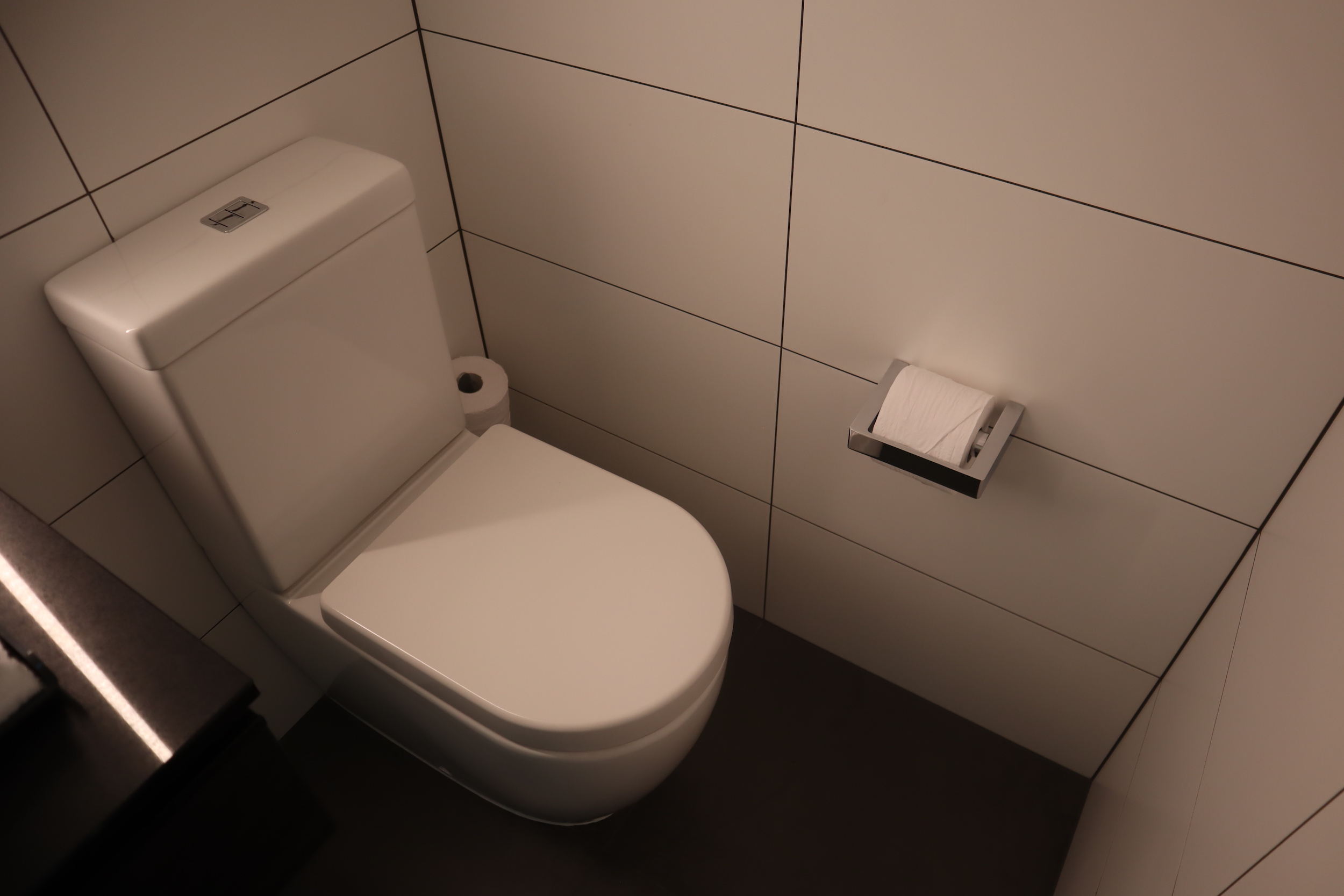 Four Points by Sheraton Auckland – Corner Room toilet