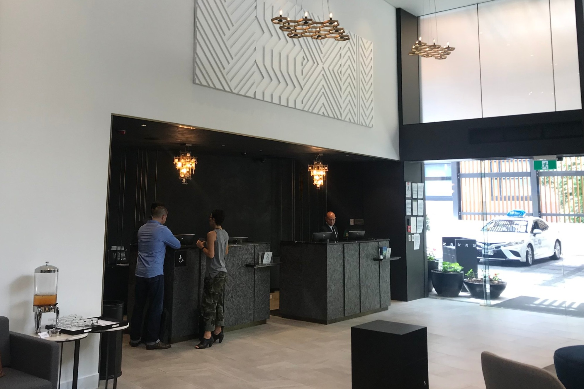 Four Points by Sheraton Auckland – Front desks