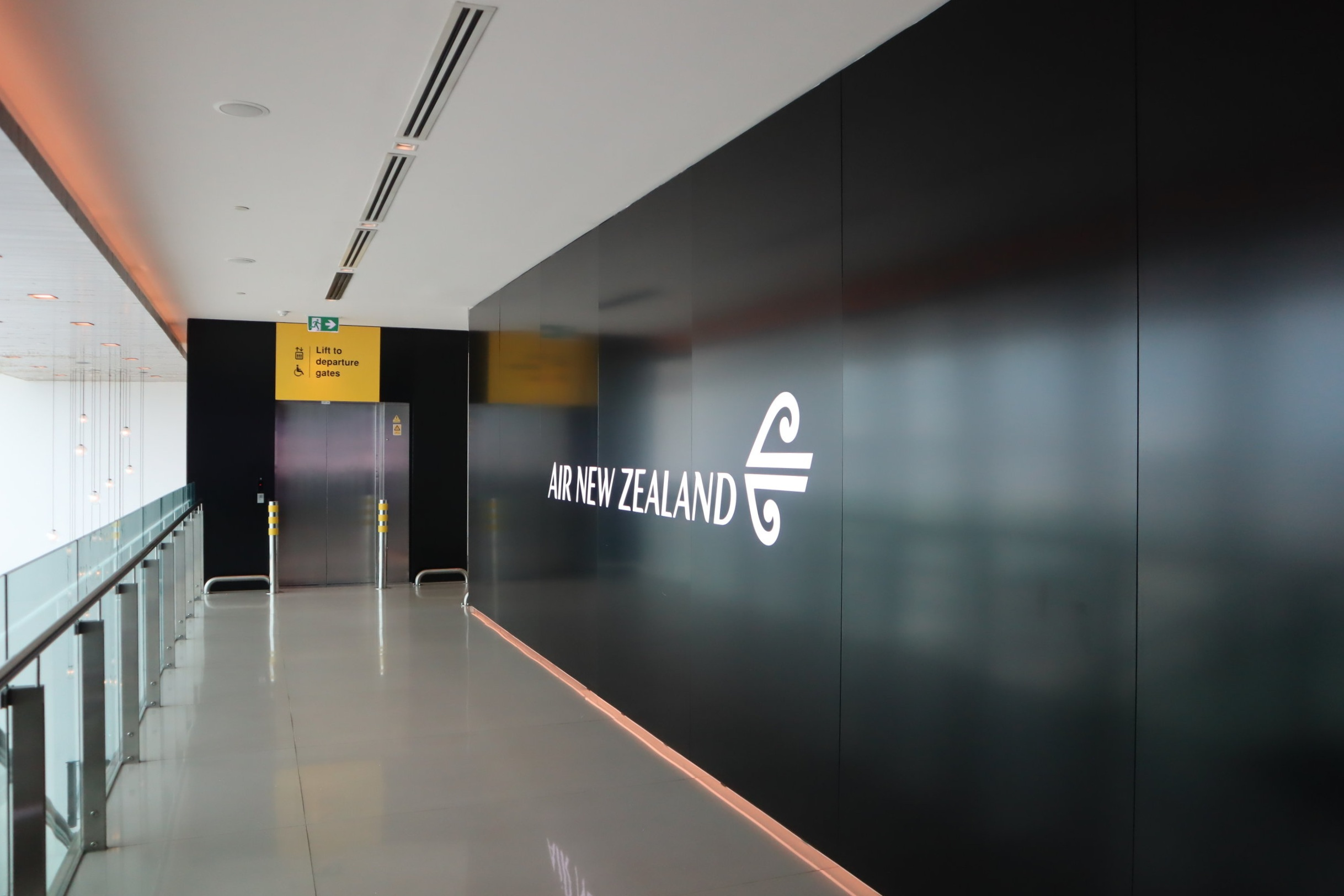 Air New Zealand Lounge Auckland – Entrance