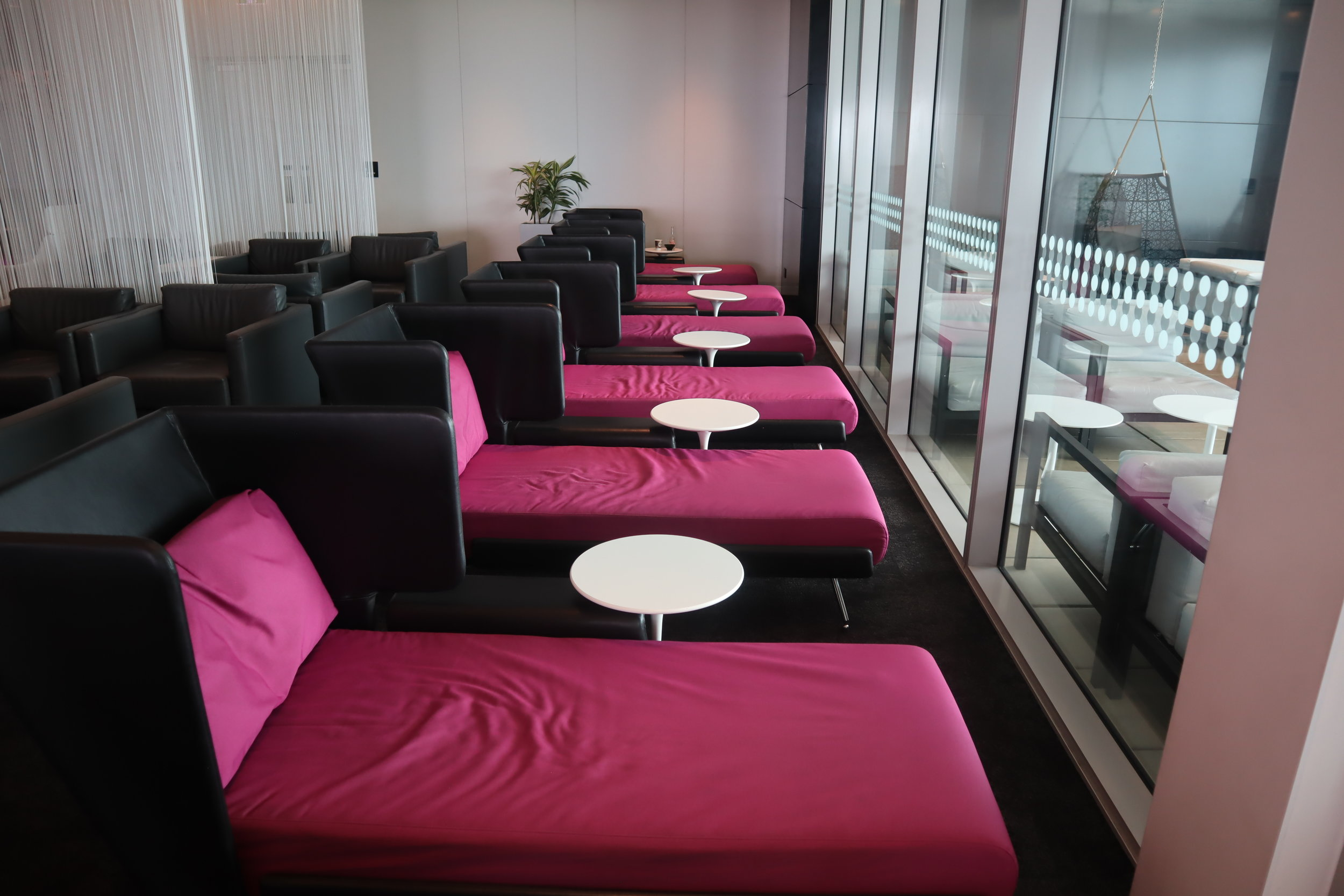 Air New Zealand Lounge Auckland – Daybeds