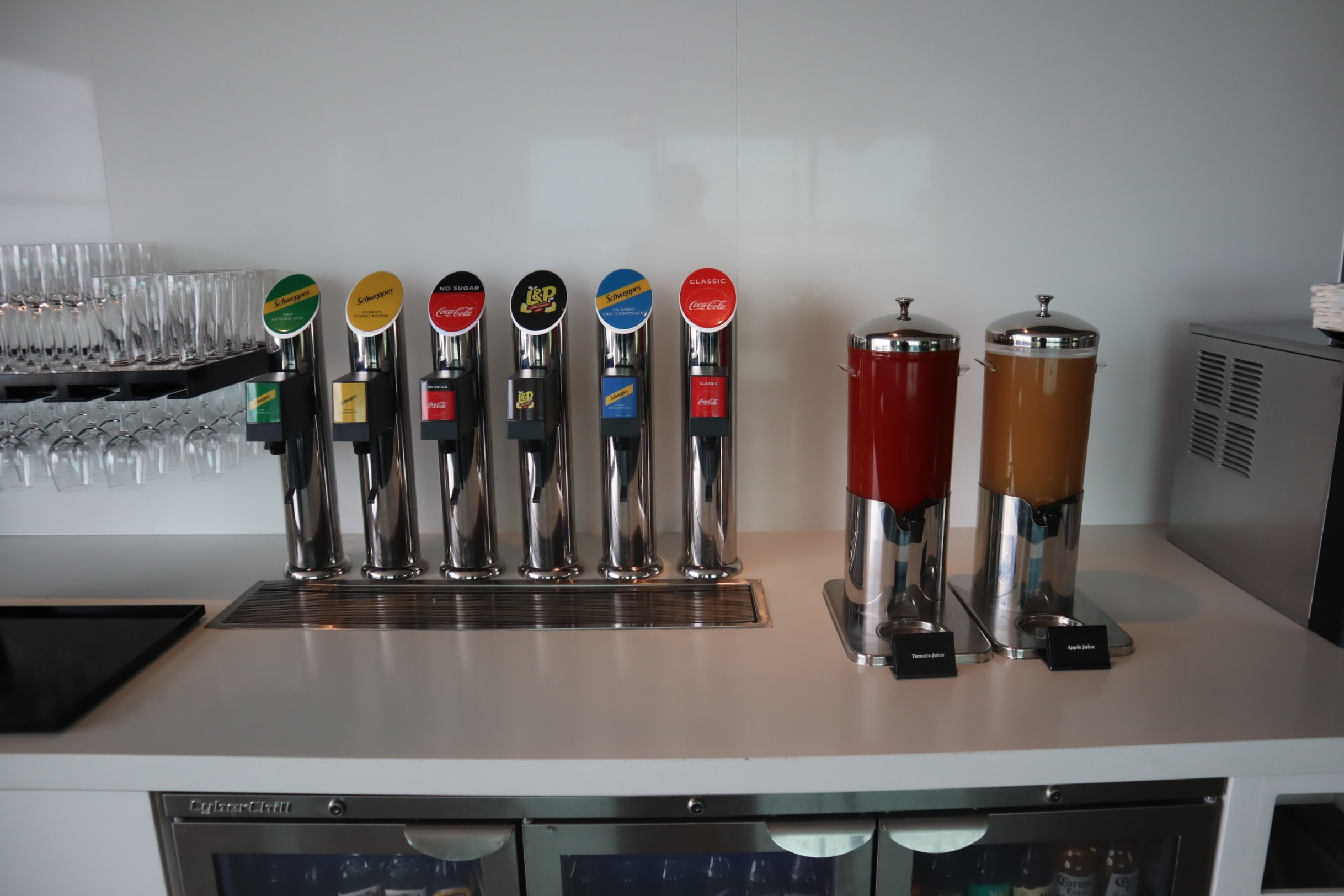 Air New Zealand Lounge Auckland – Soft drinks