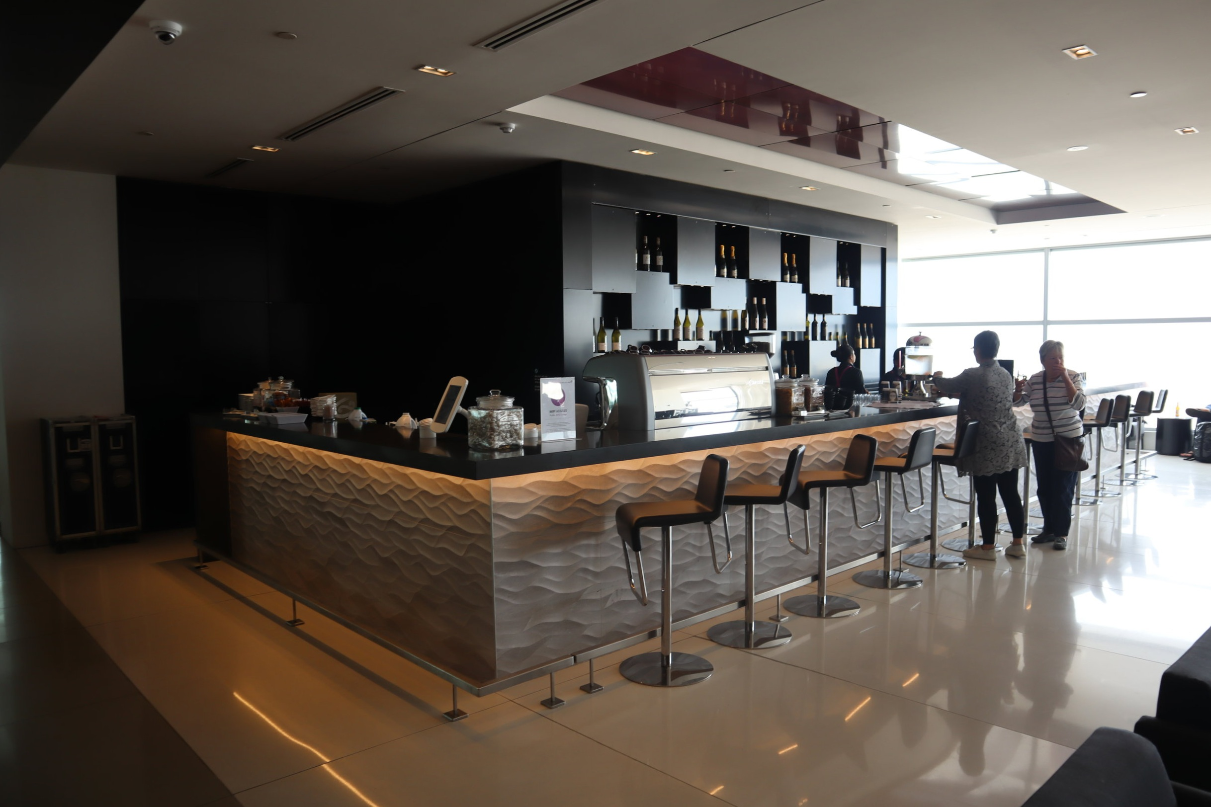 Air New Zealand Lounge Auckland – Cafe and bar