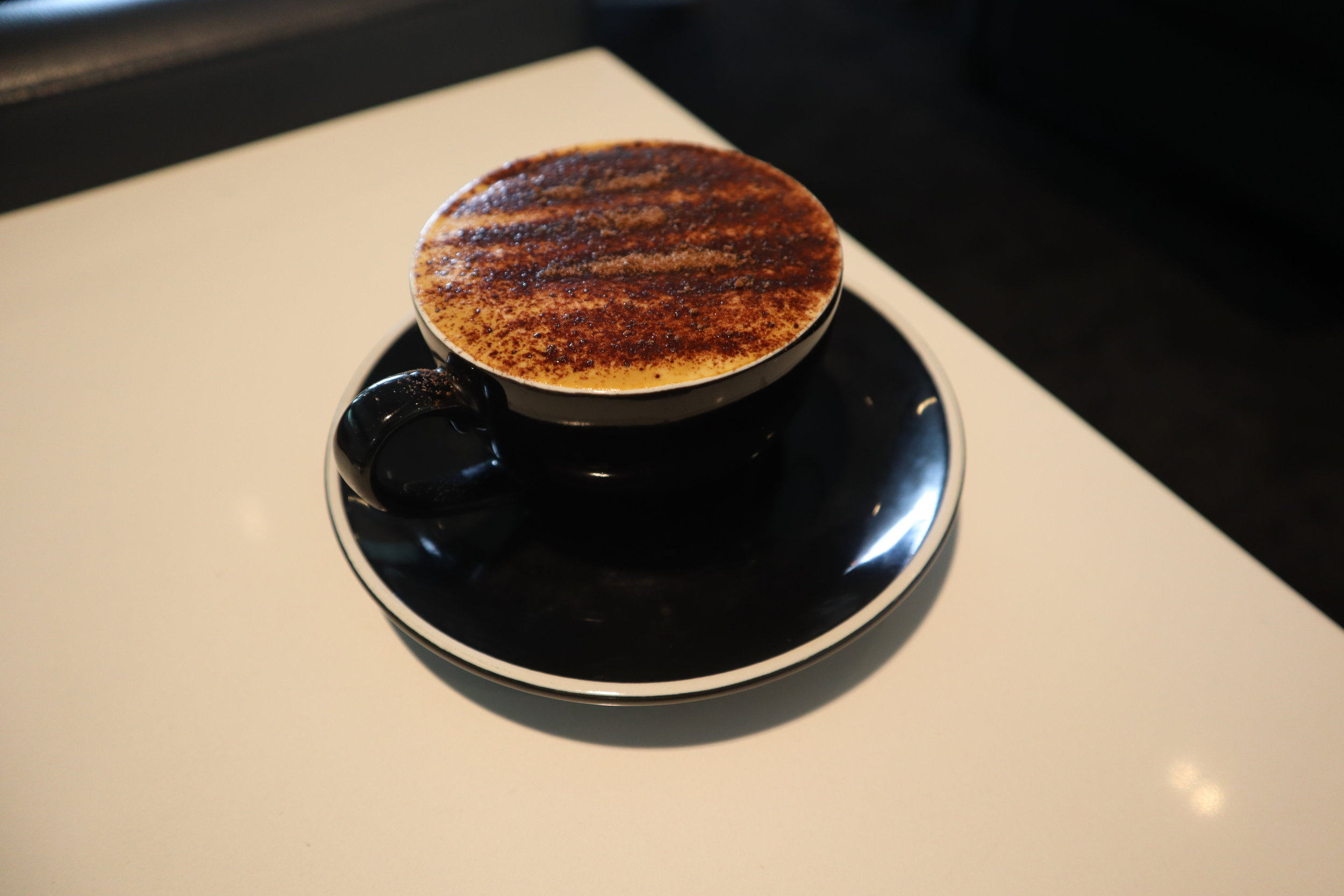 Air New Zealand Lounge Auckland – Cappuccino