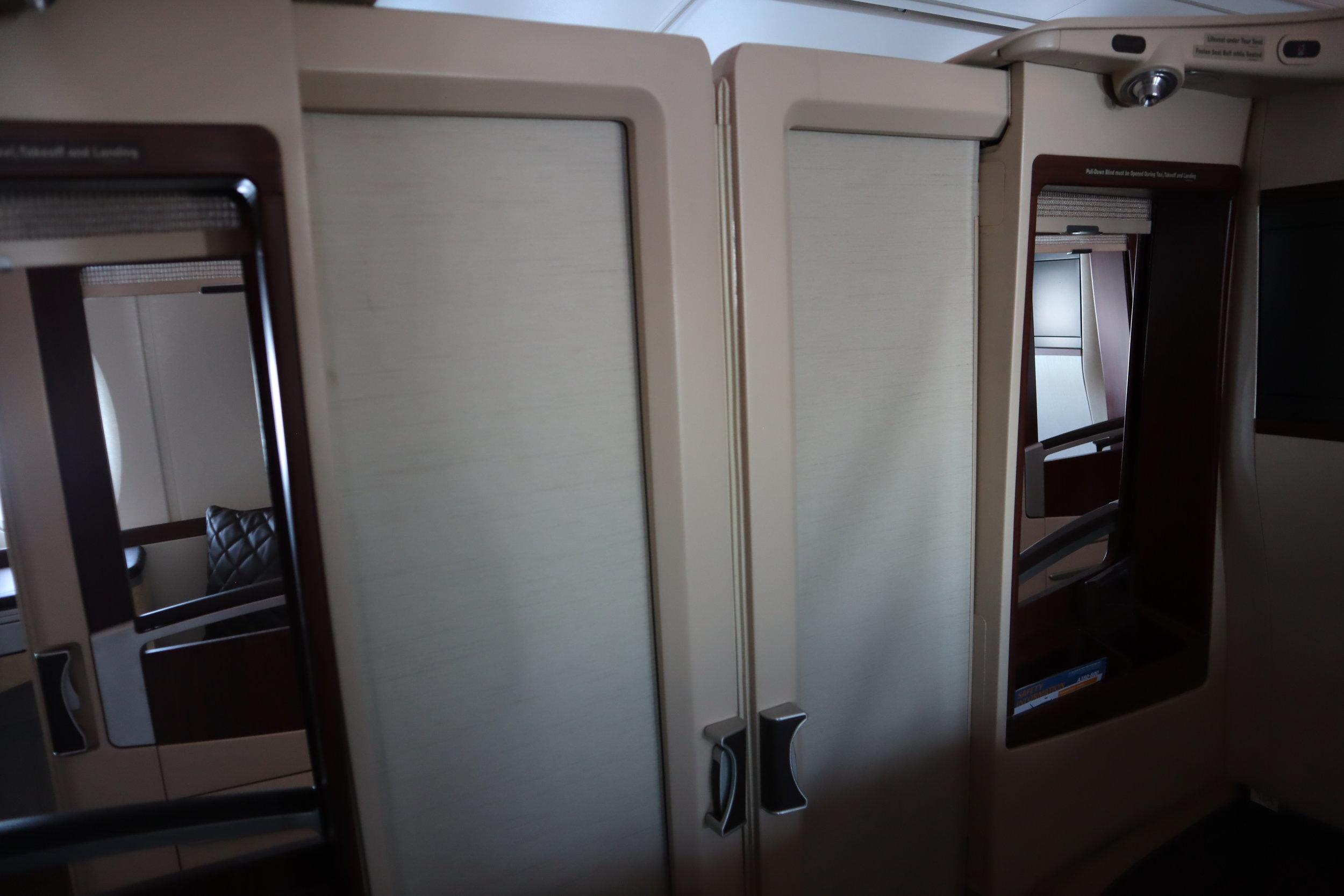 Singapore Airlines Suites Class – Door