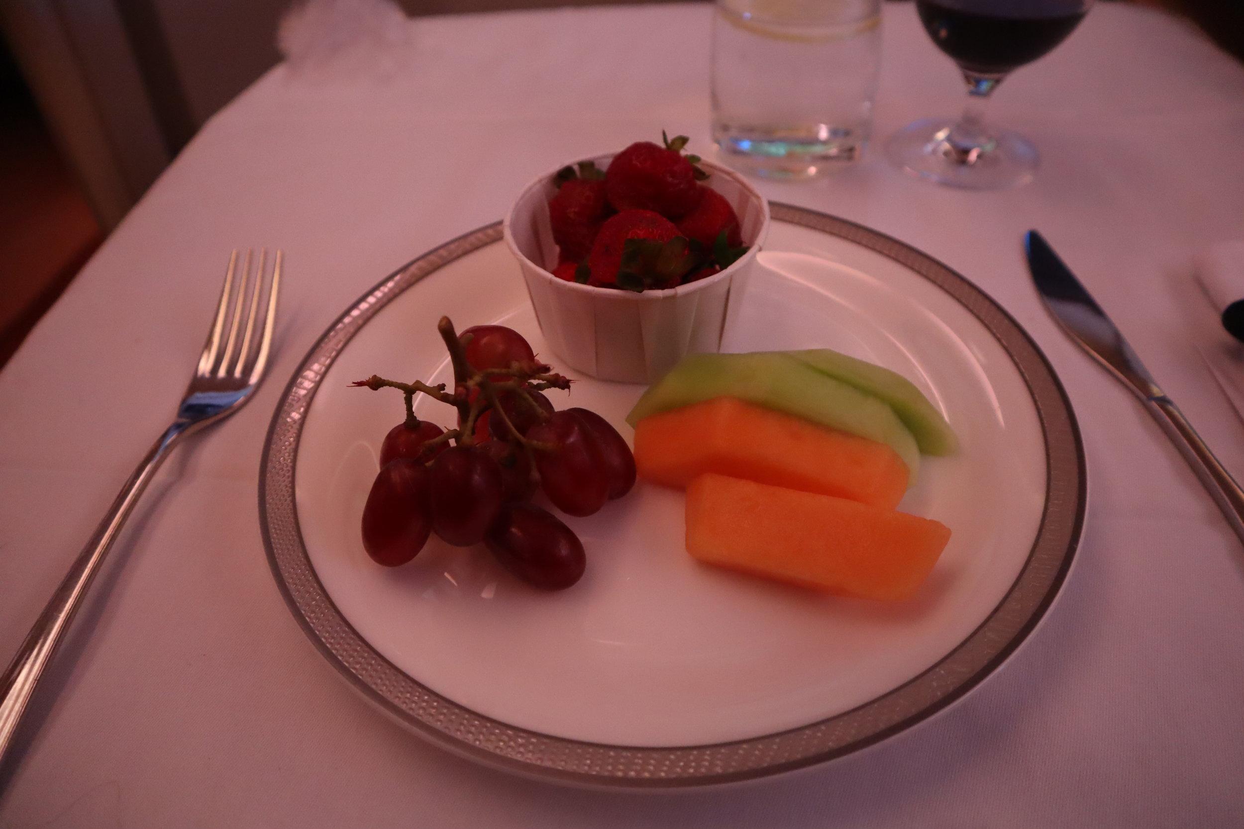 Singapore Airlines Suites Class – Fresh fruit